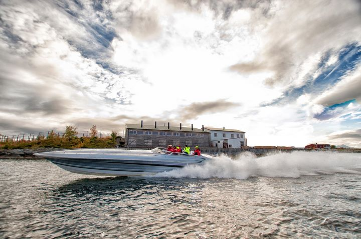 Risvær Båt.jpg
