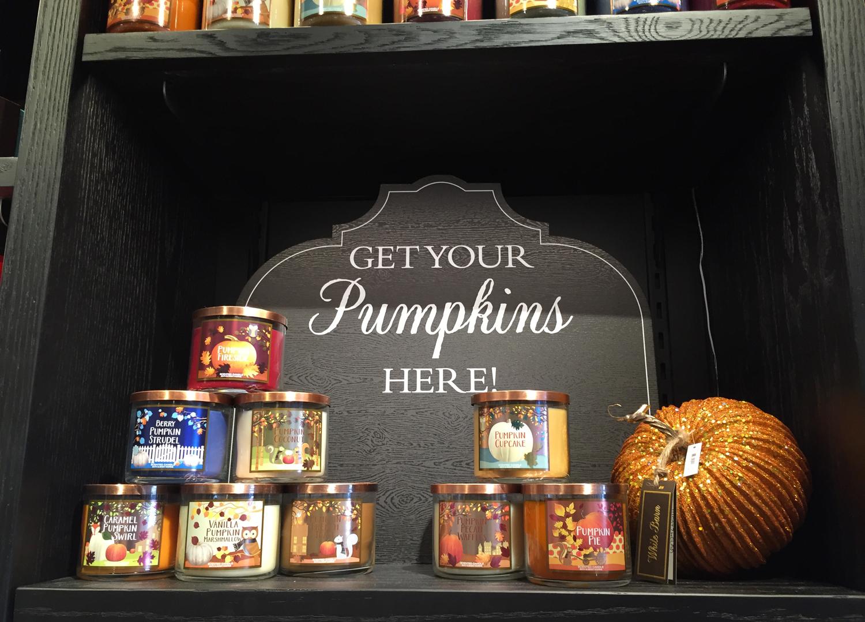 Fall_Wall_Pumpkins_02.jpg