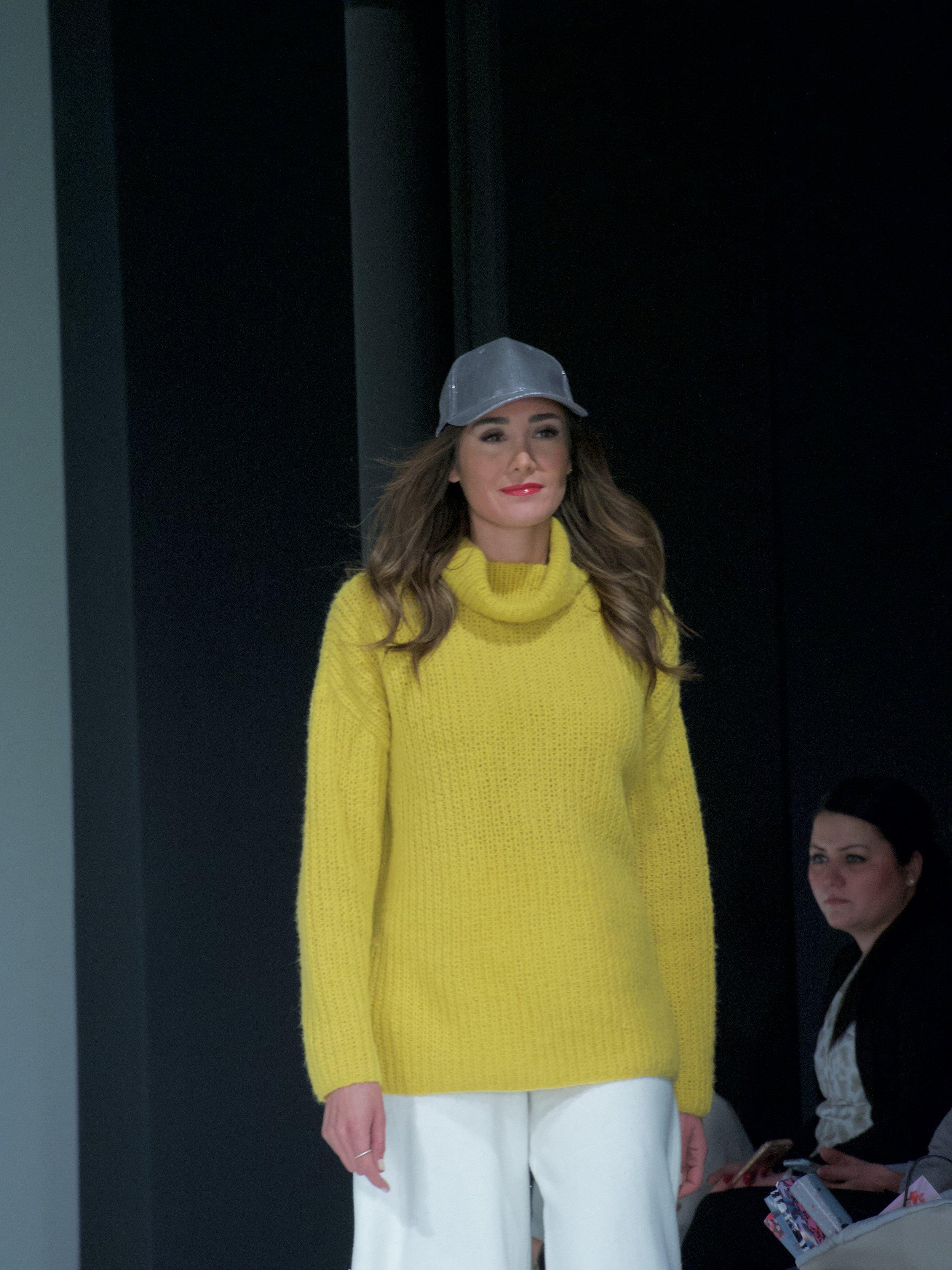 Gelb Wooladdicts Lang Yarns