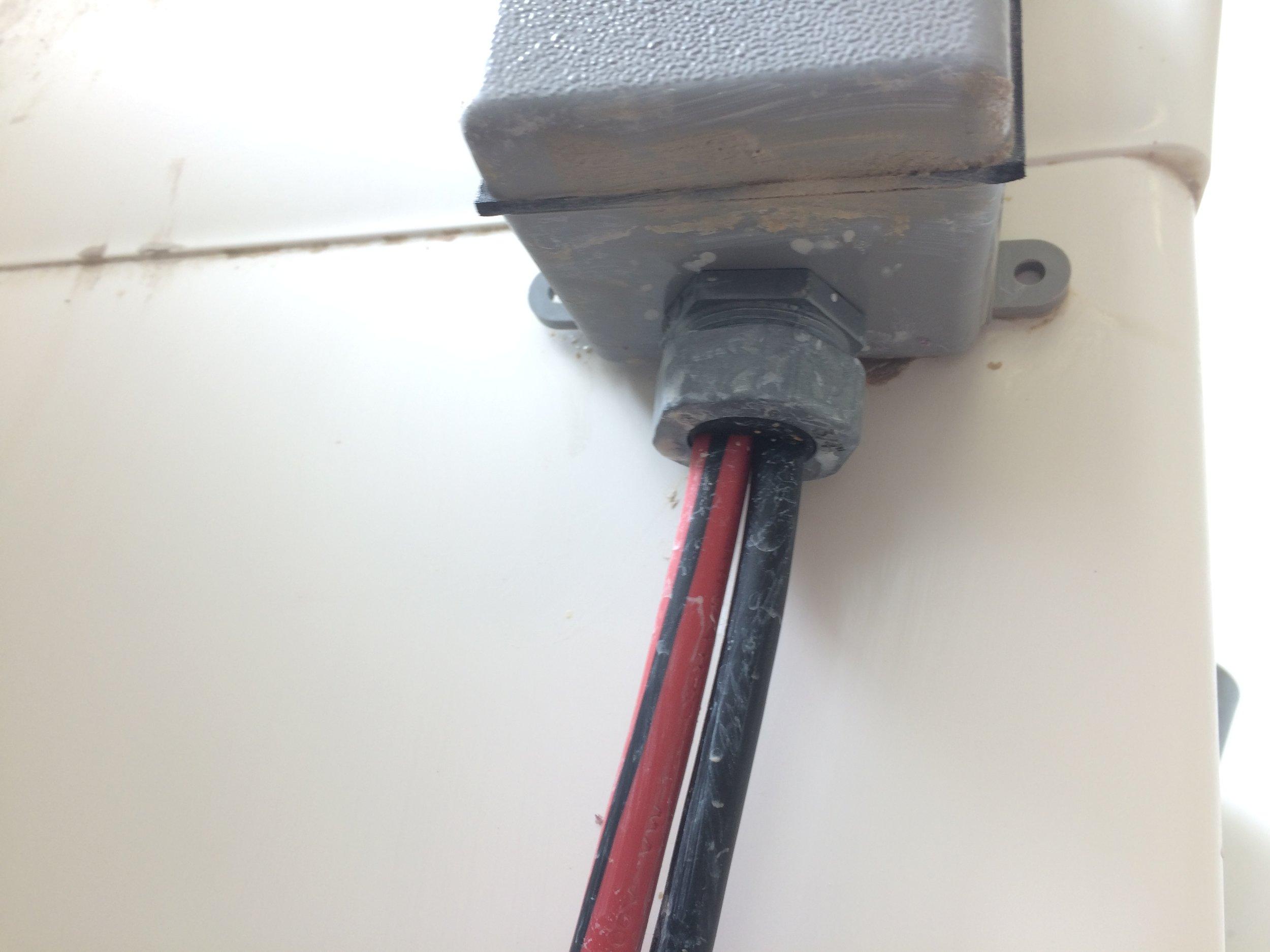 Recirc_Sink_Cables.JPG