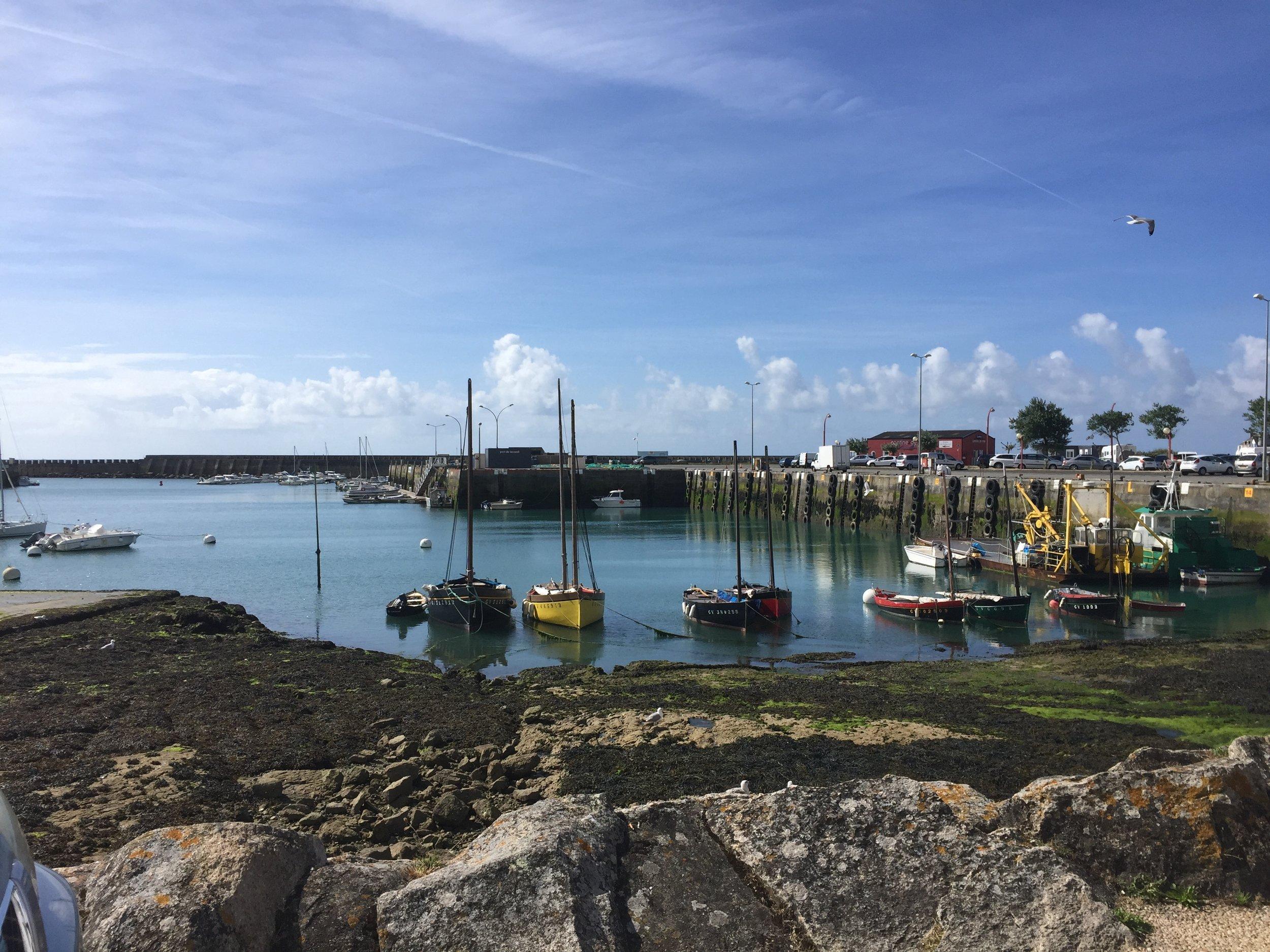 Le Port a Maree Basse