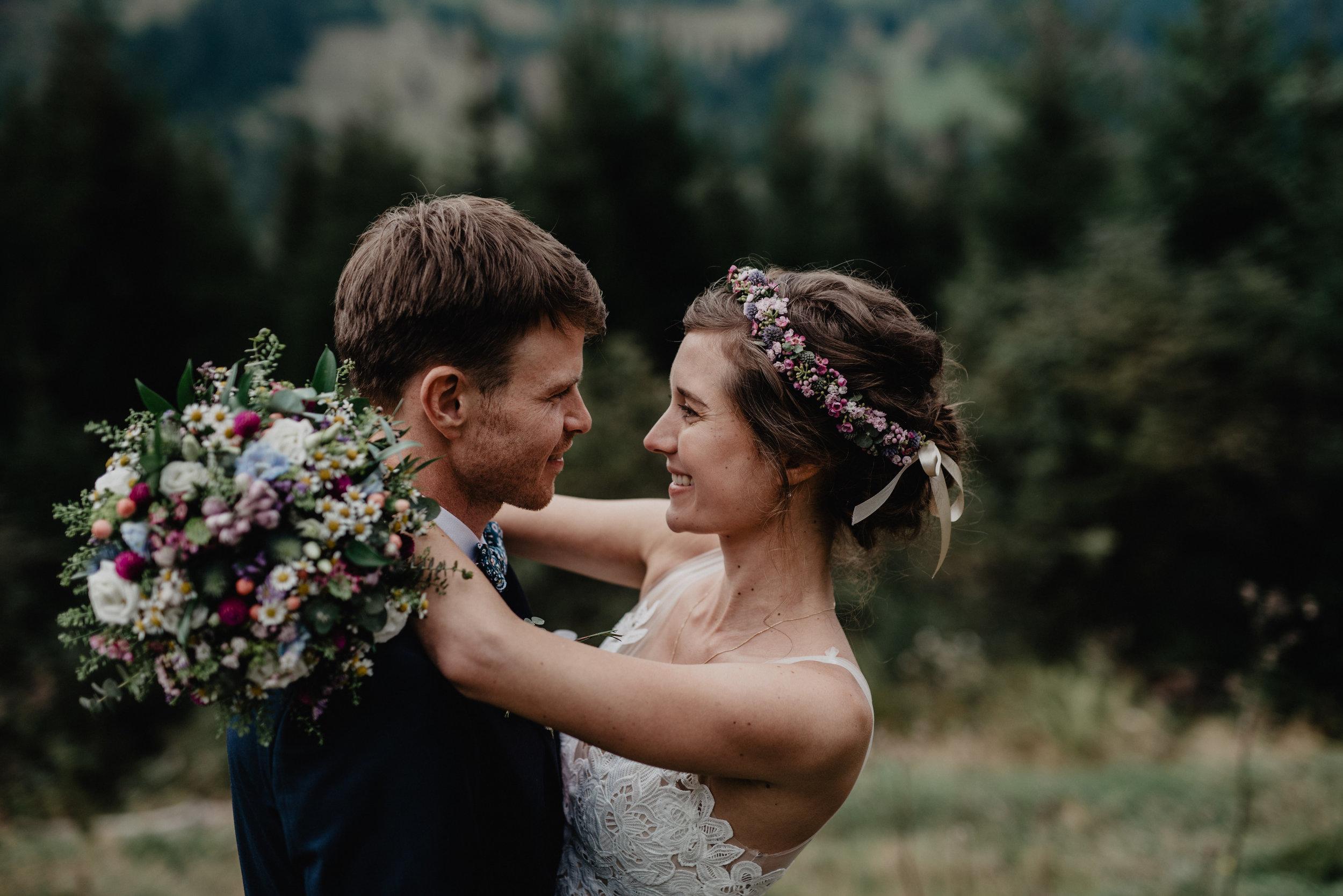 Kanadische-Destinationwedding-Berghochzeit-Dienten-MissFrecklesPhotography (72 von 96).jpg