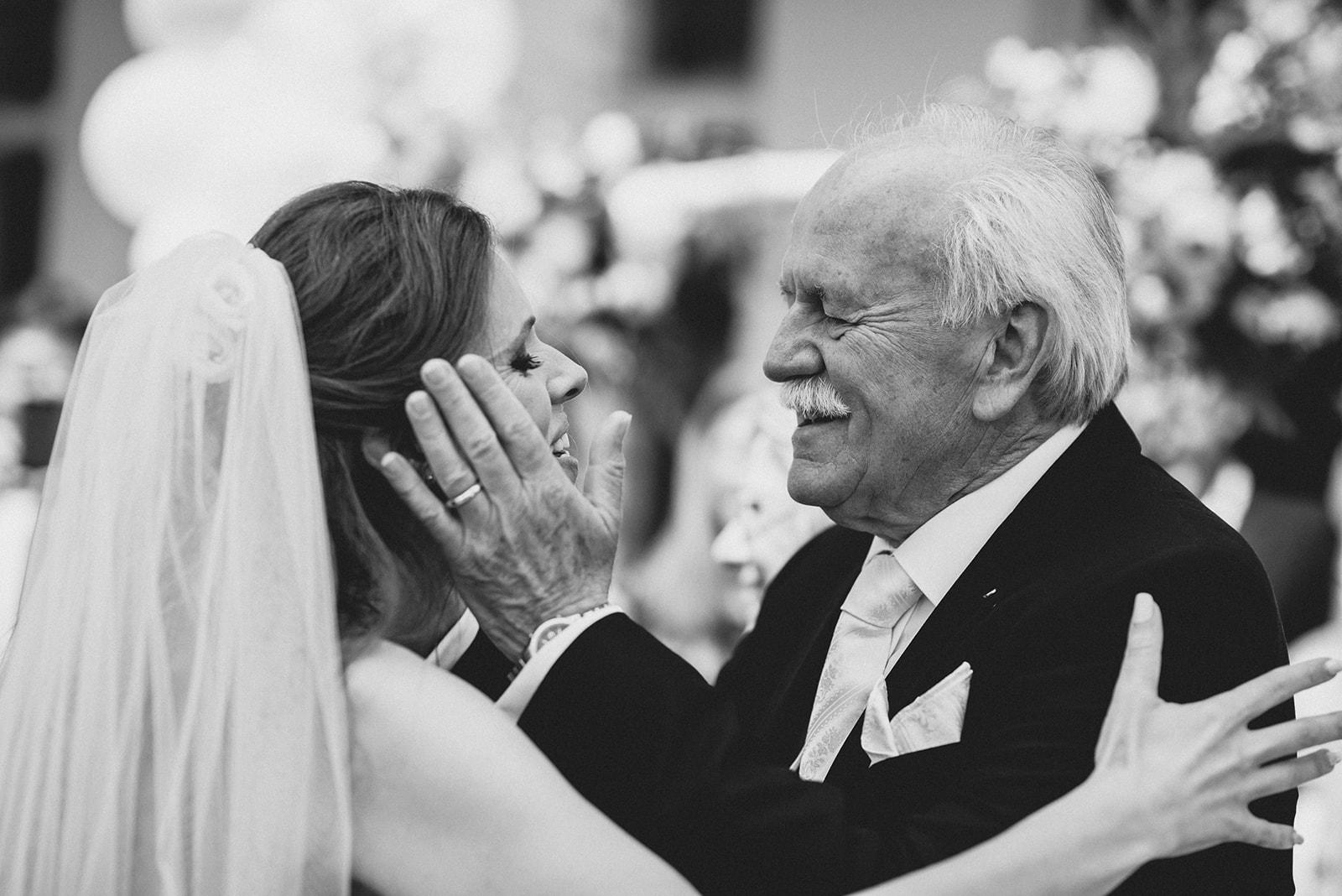 Hochzeit_Wolfgangsee_St._Gilgen_-_Miss_Freckles_Photography_(42_von_110).jpg