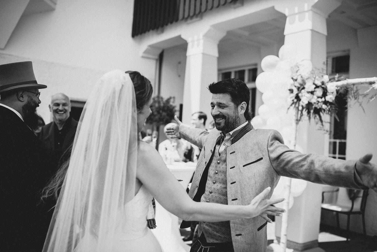Hochzeit_Wolfgangsee_St._Gilgen_-_Miss_Freckles_Photography_(43_von_110).jpg