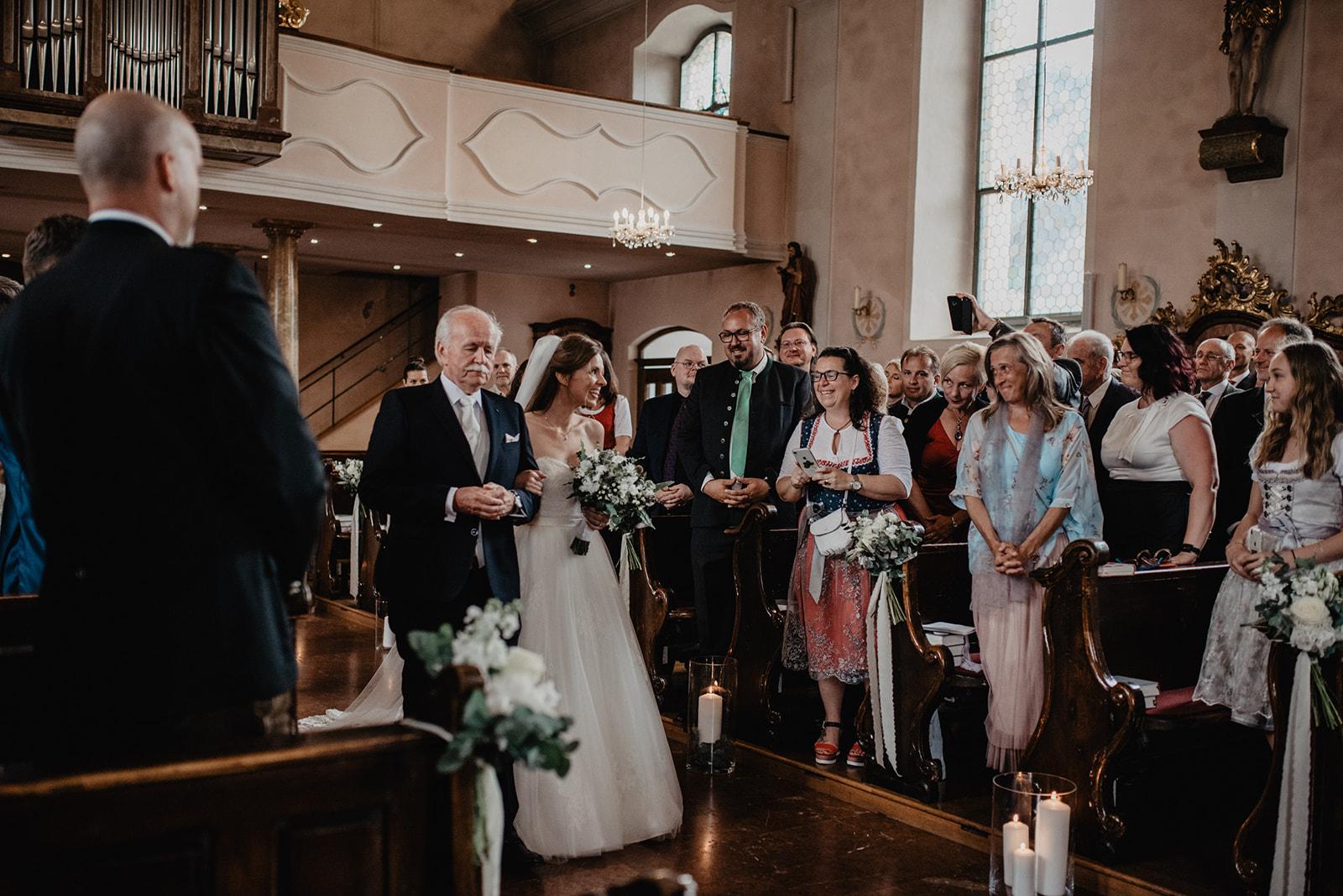 Hochzeit_Wolfgangsee_St._Gilgen_-_Miss_Freckles_Photography_(60_von_110).jpg