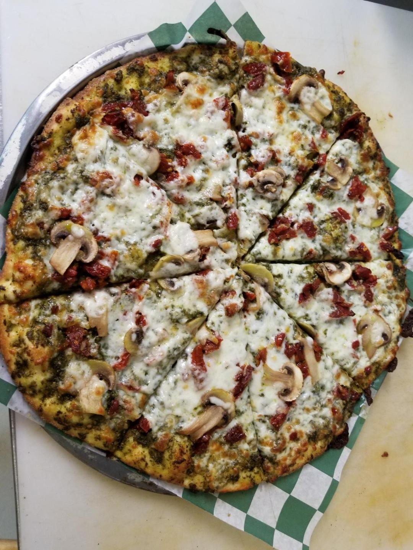 Pesto Veggie Pizza -