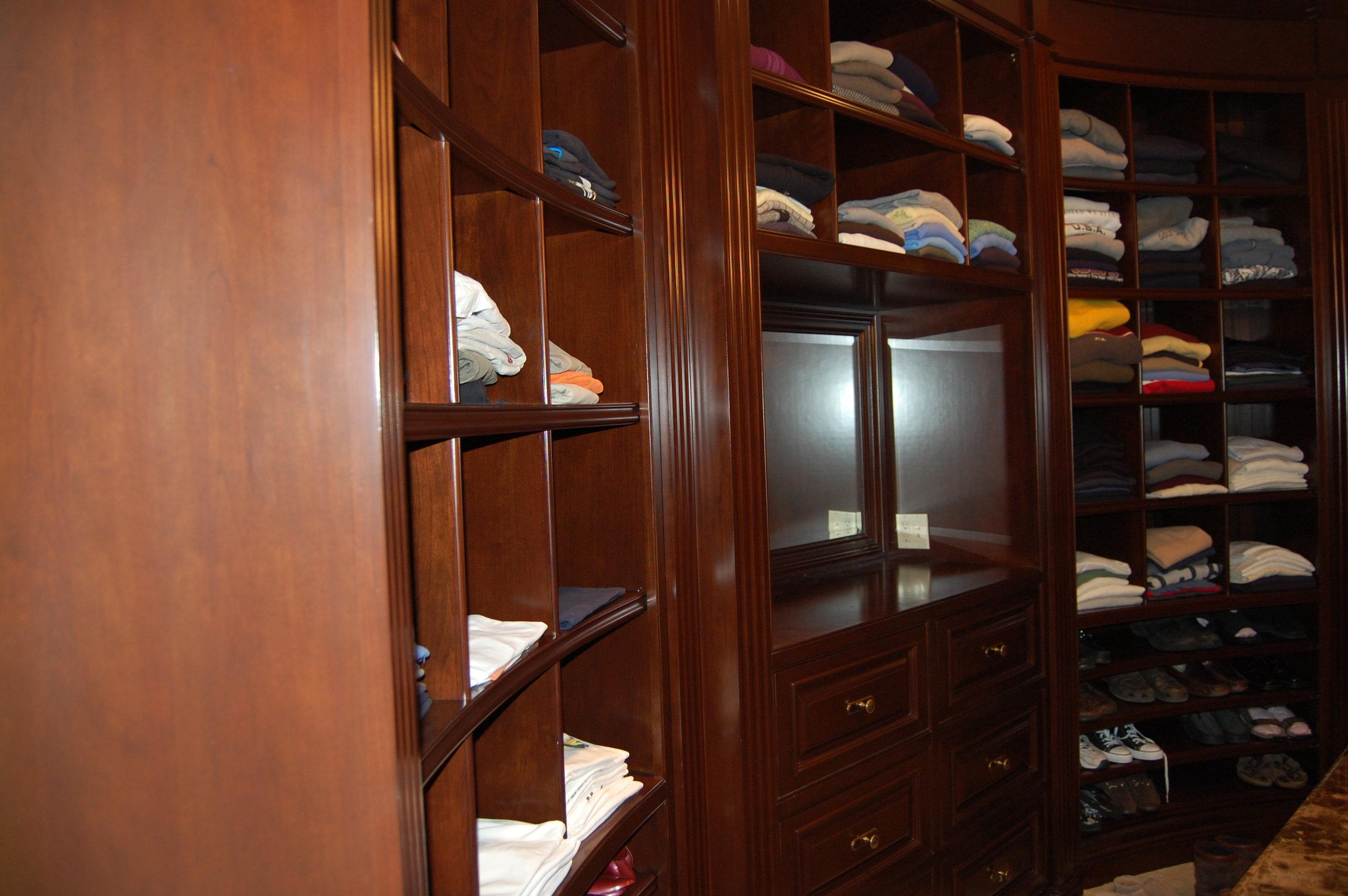 Closet2a.JPG