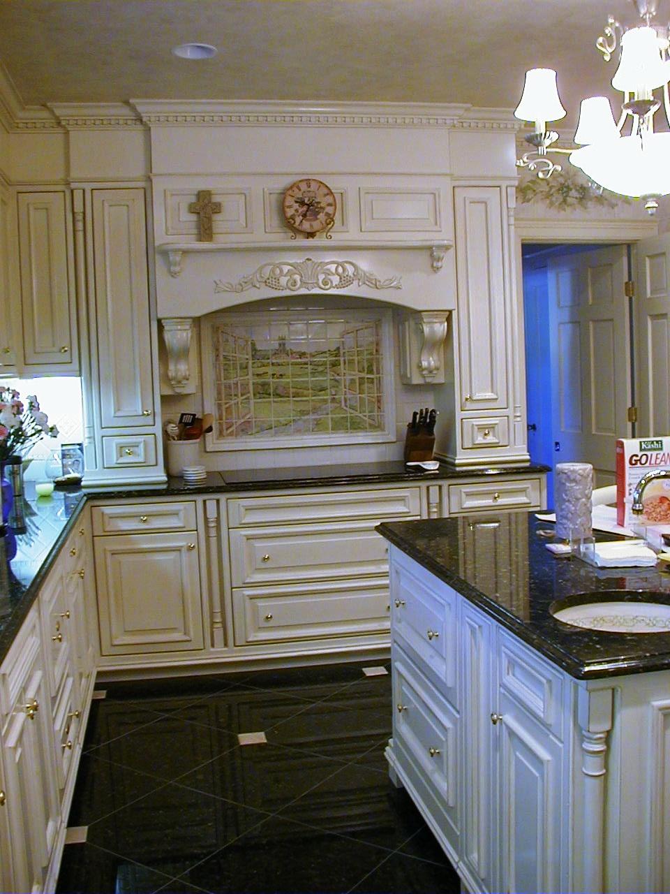 Kitchen 1b.jpeg