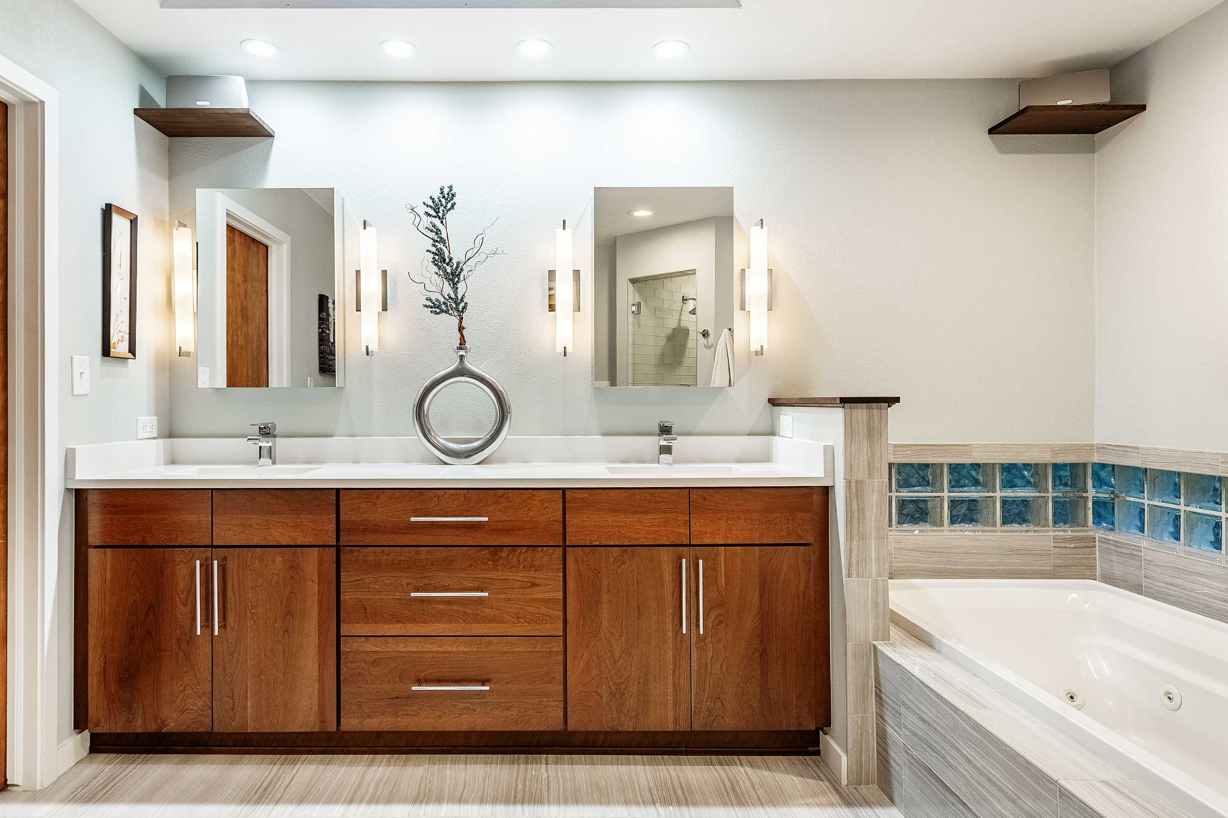 DutchCreekMasterBath-2.jpg