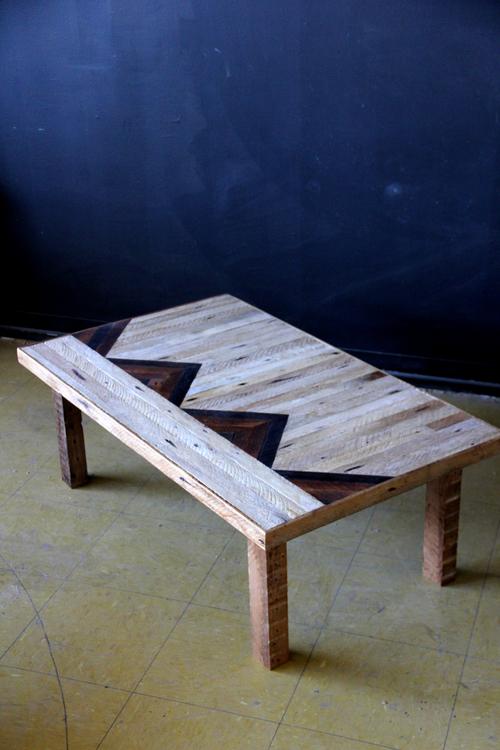 Ariele Alasko - table