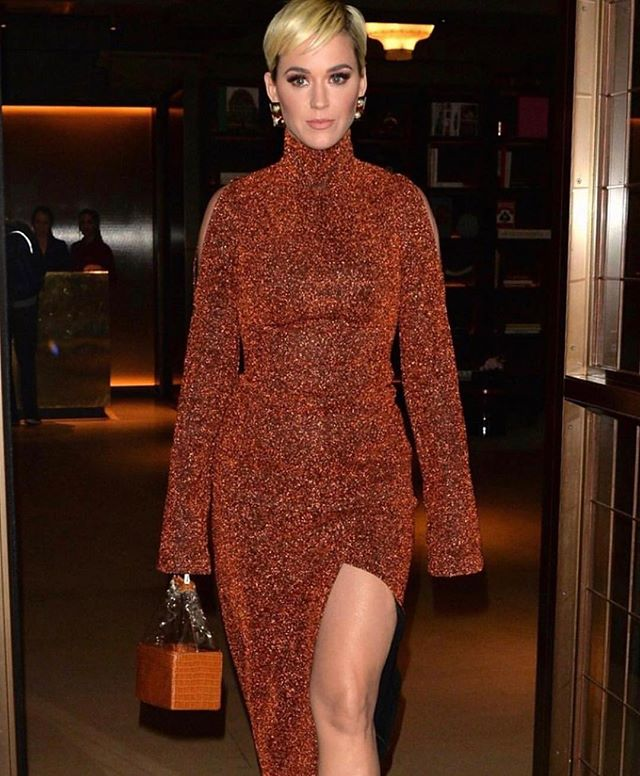 @katyperry looking stunning in our Camel Croc Box Bag w/ PVC contrast! @iammelissalynn