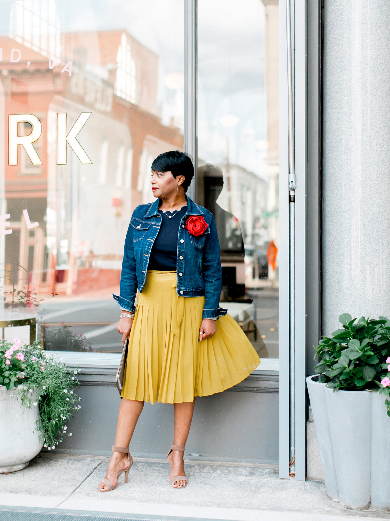 yellow-pleated-skirt-with-j.jpg