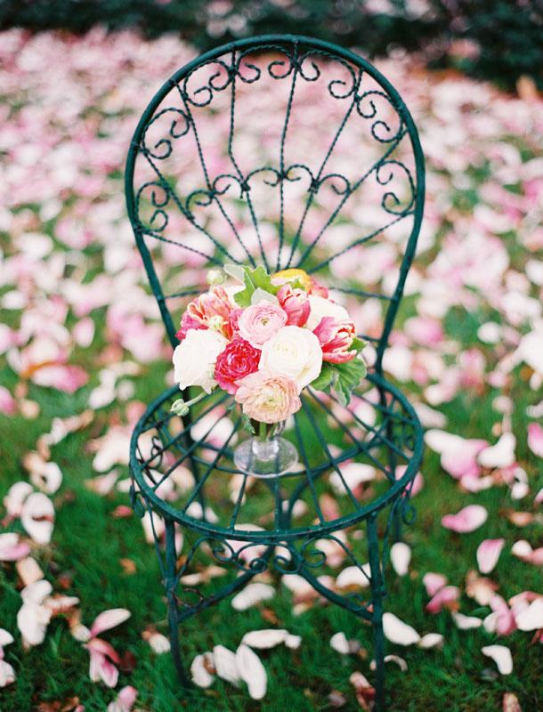 centerpiece ranunculus and roses.jpg