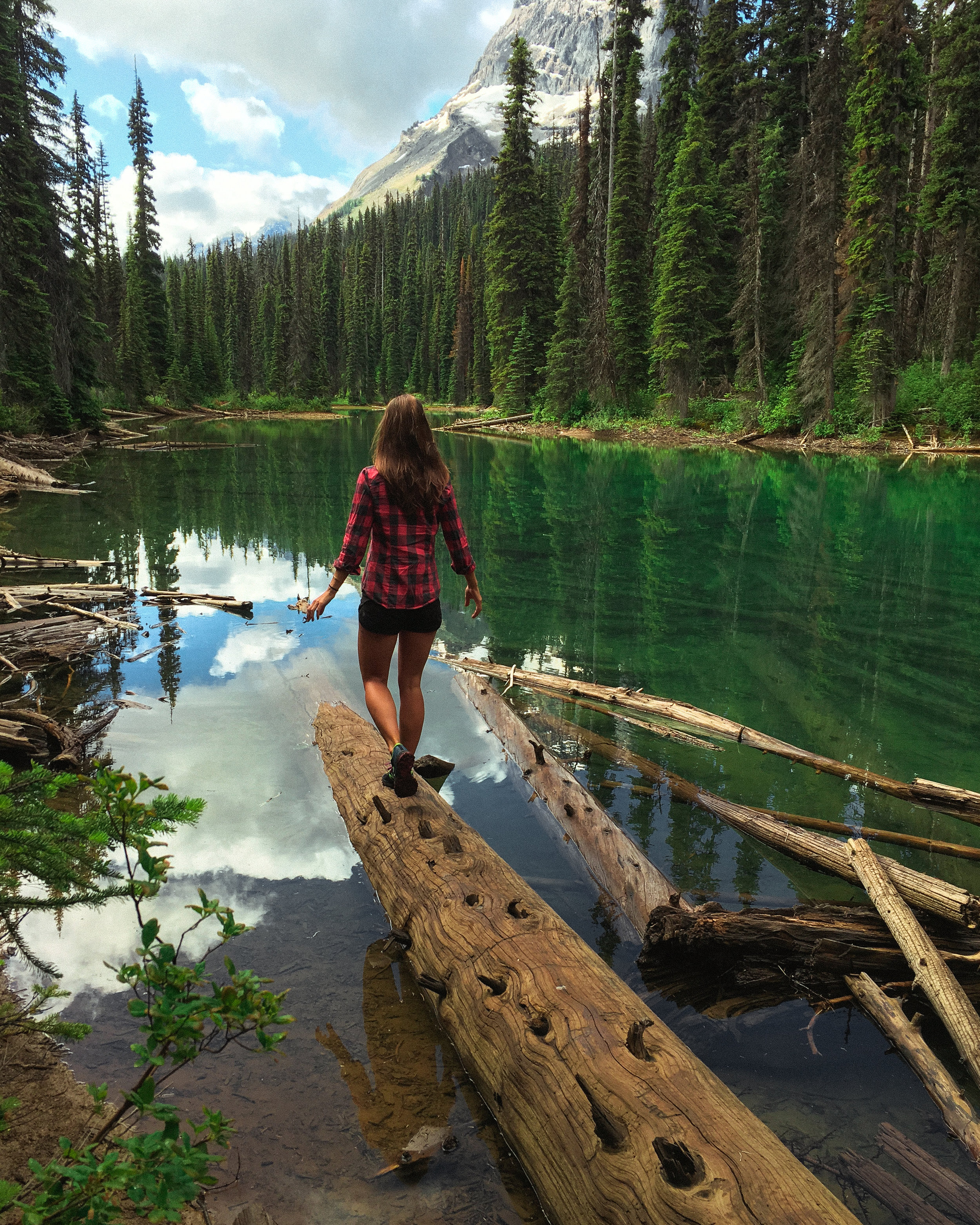 Hidden Lakes, a short but necessary detour on your way to Yoho Lake.