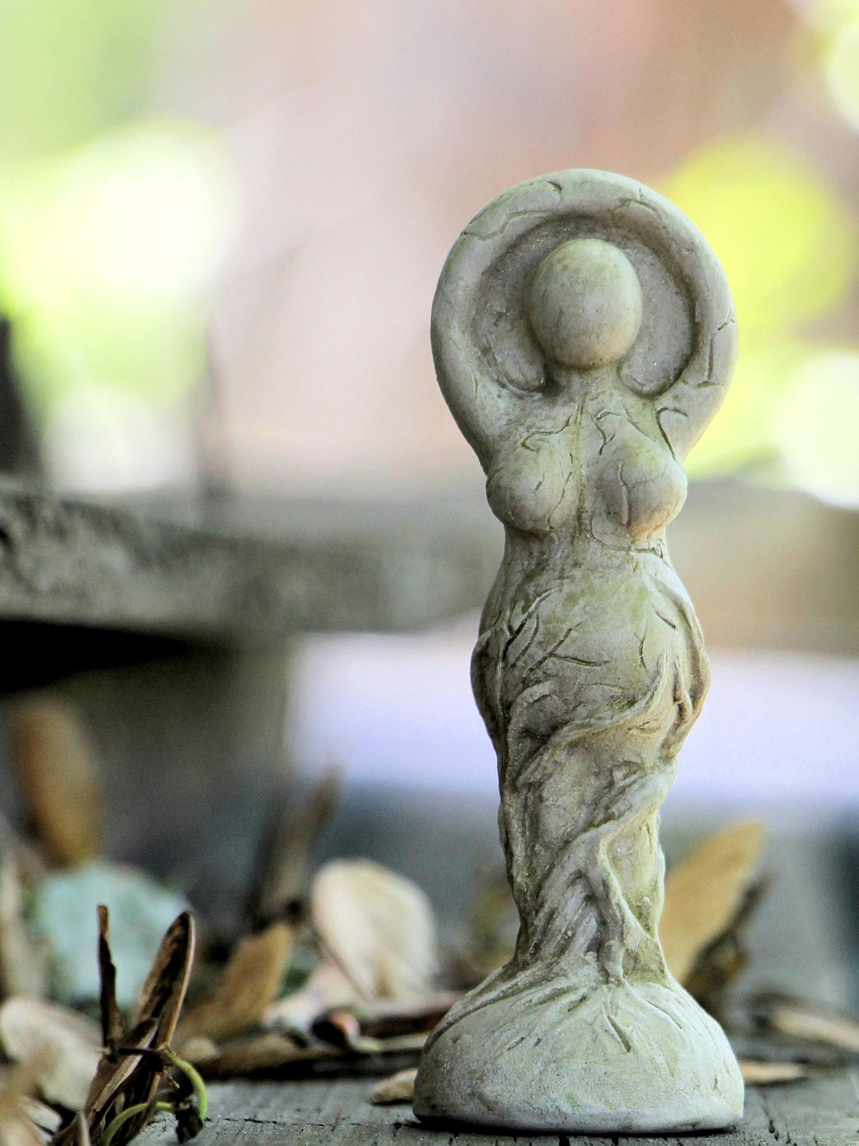 statue-1405539_1920.jpg