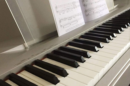 One-on-one Piano Lessons - Piano Lessons designed just for you!