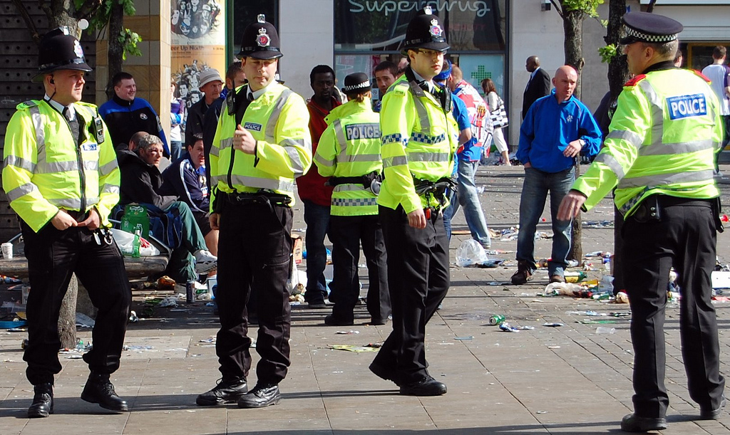 Greater_Manchester_Police_officers_in_Piccadilly_Gardens_(Manchester,_England)_2.jpg