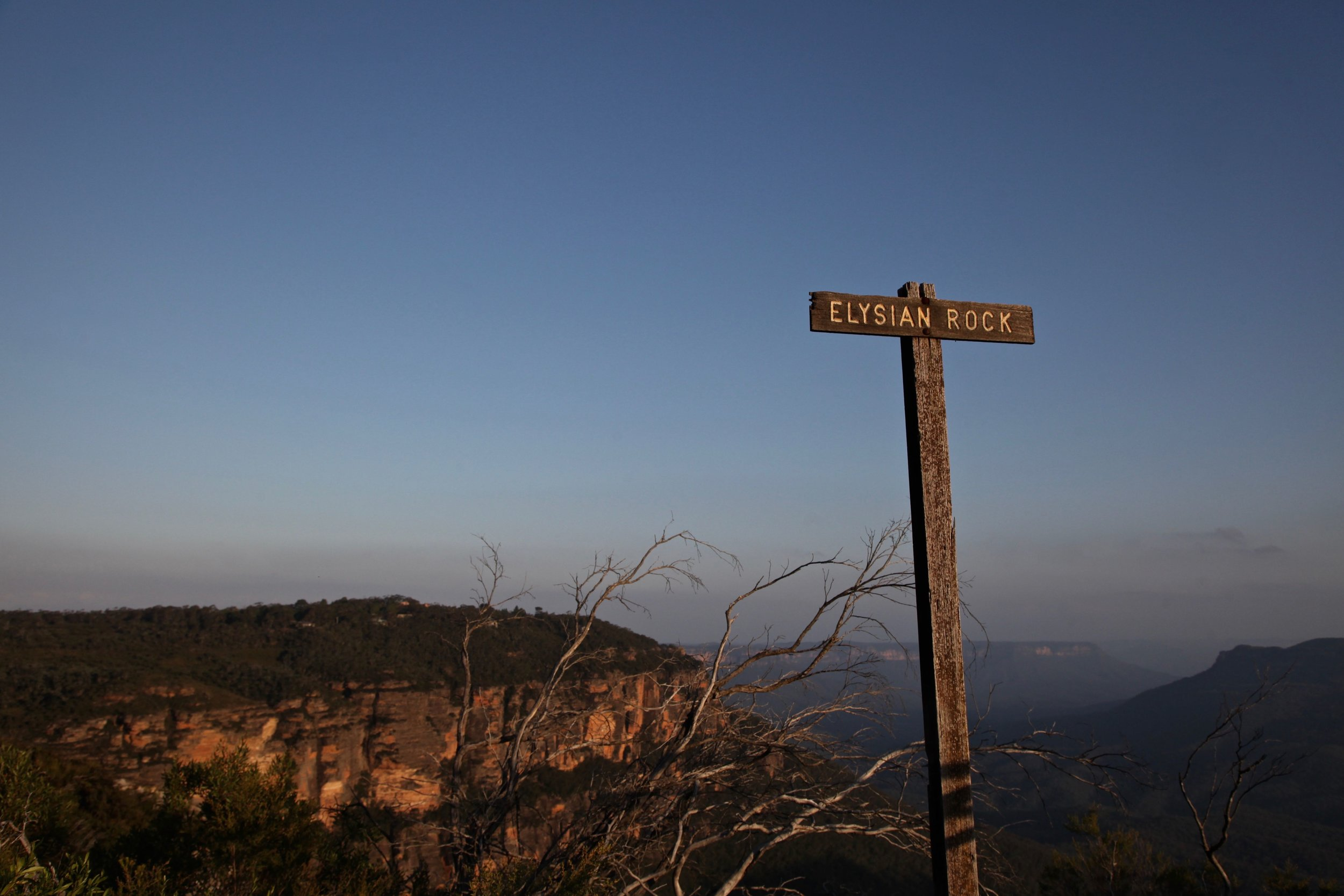 Elysian Rock is a lookout near Leura in the Blue Mountains National Park.