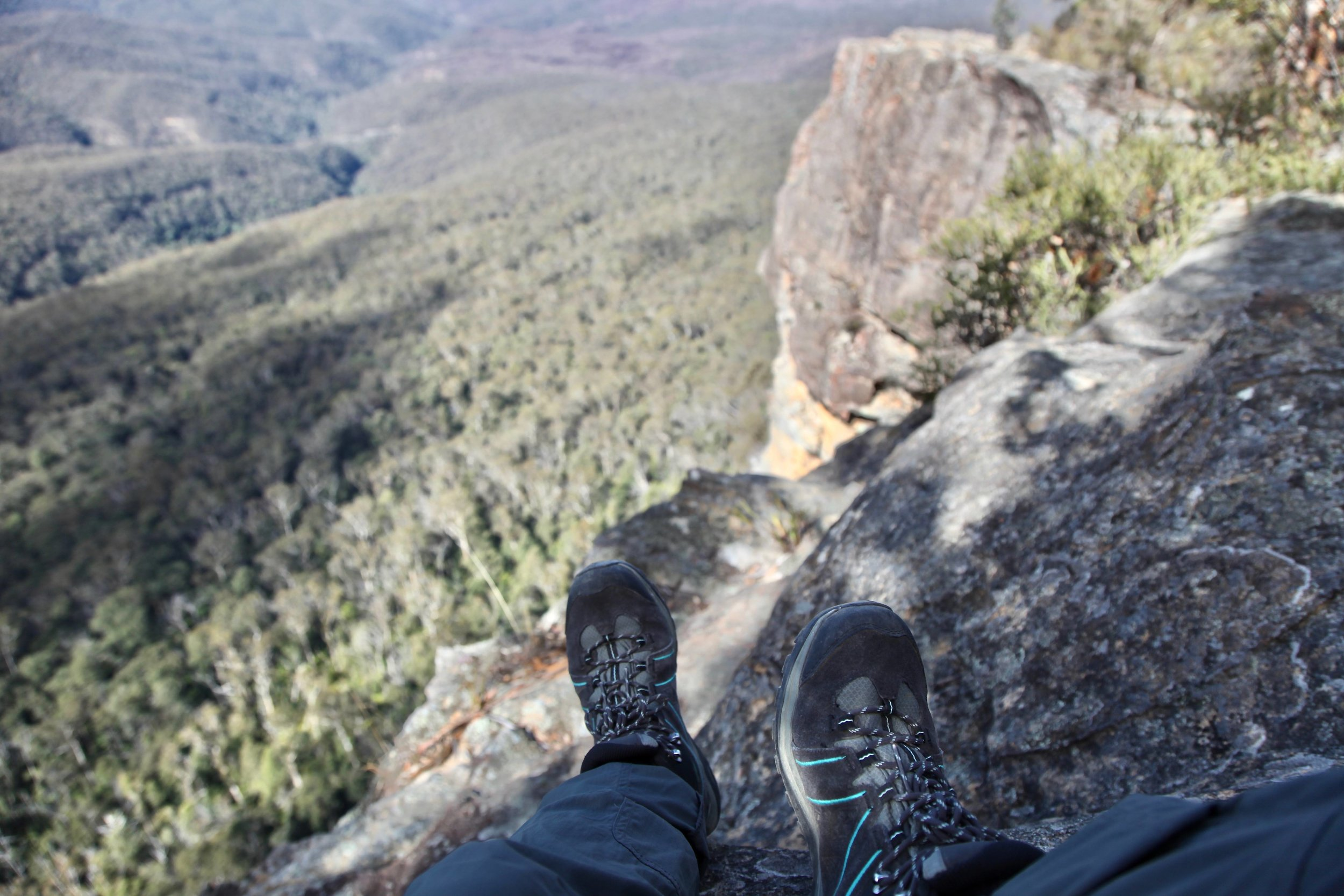 Before you reach the end of the Castle Head track you'll pass some epic views across the Jamison Valley.