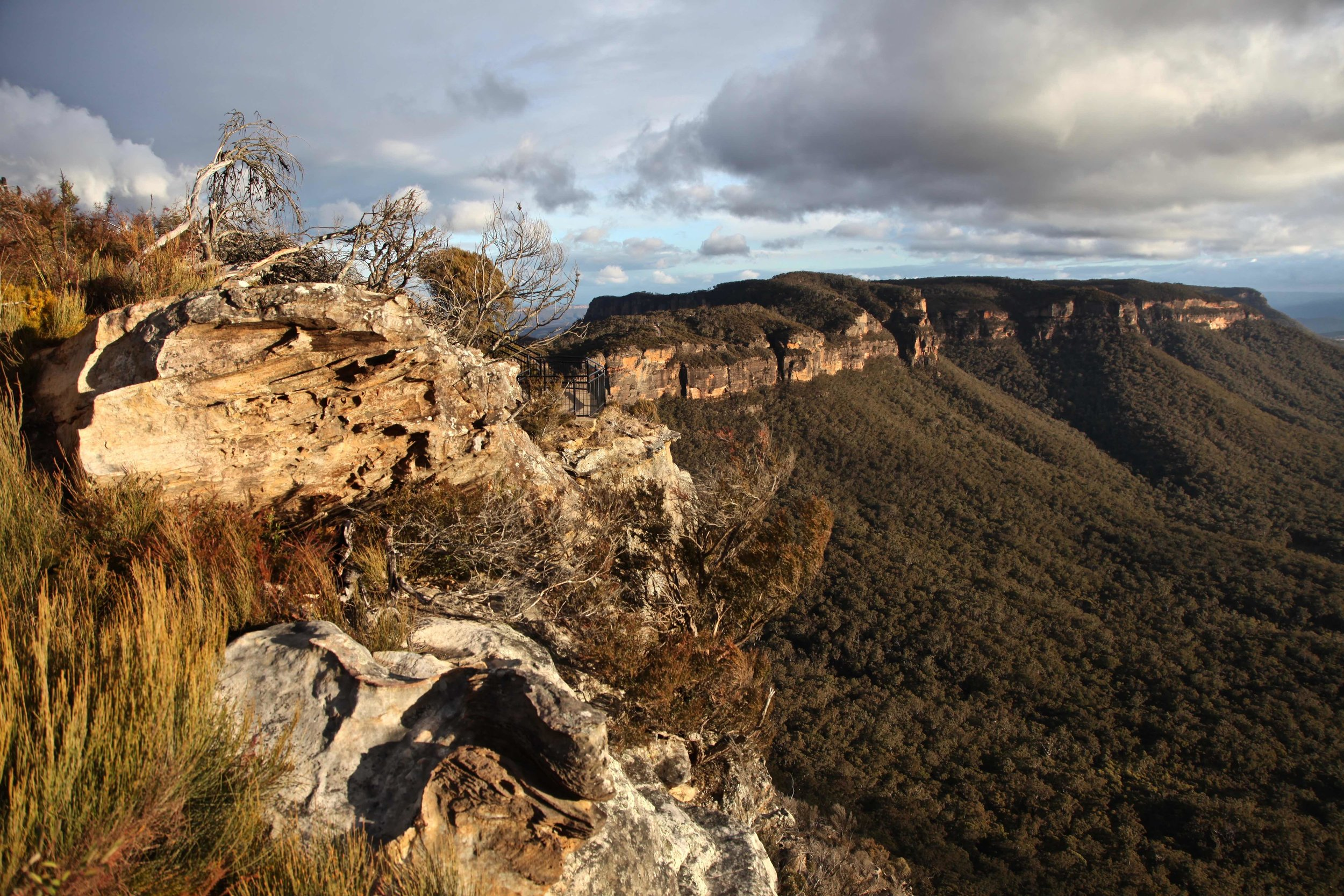 The golden hour view of Narrow Neck from Cahill's Lookout at Katoomba.