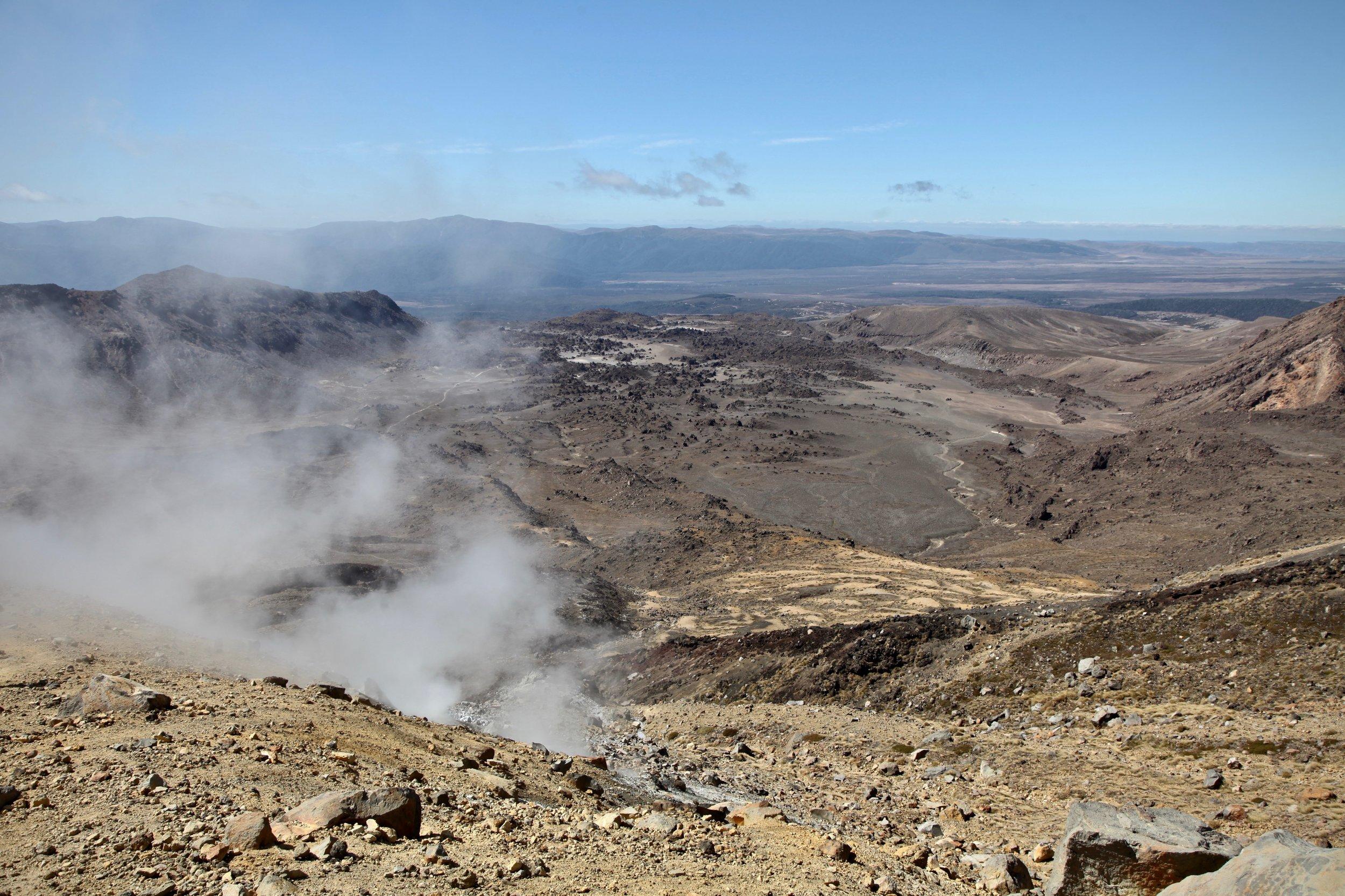tongariro-alpine-volcanic-steam.jpg