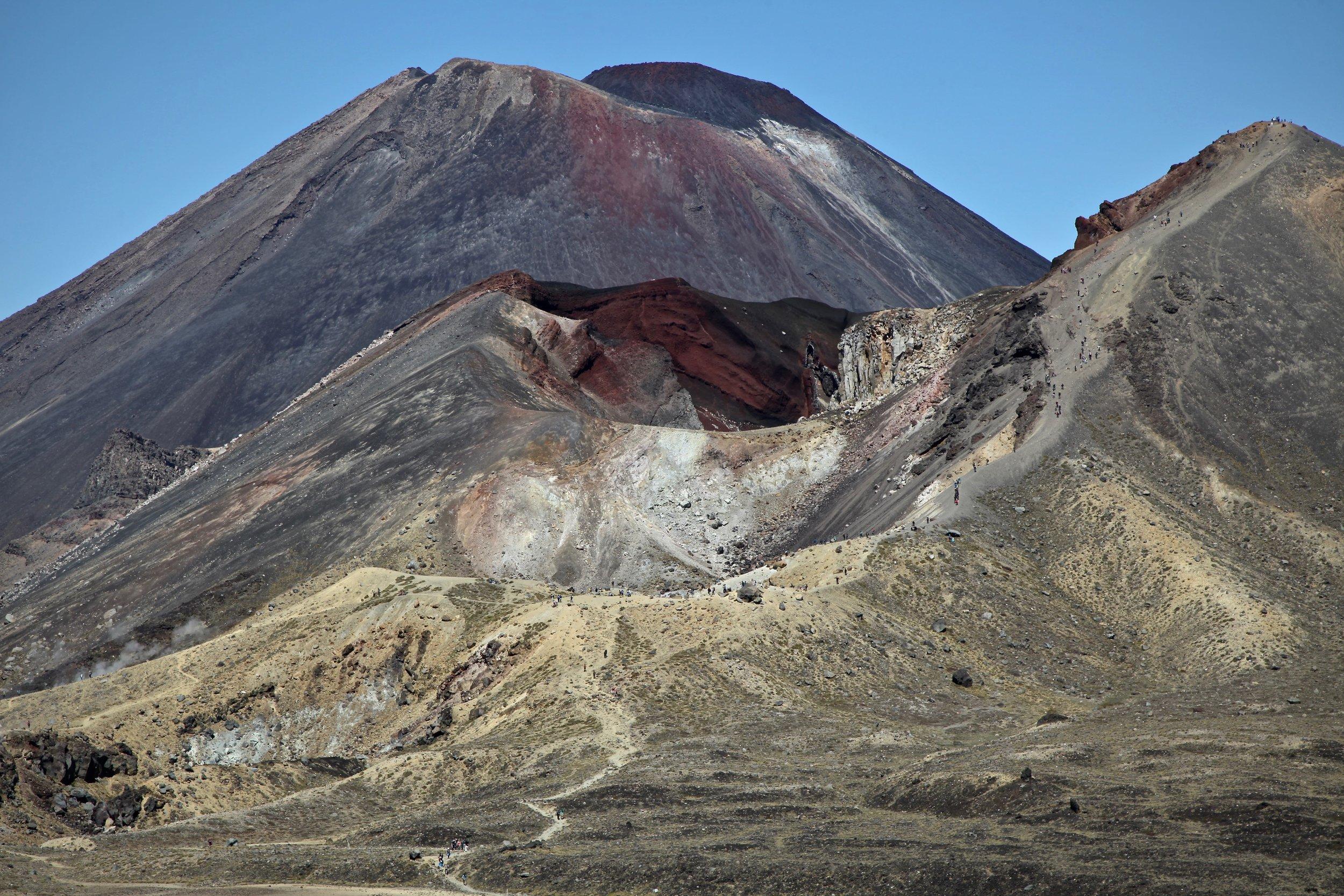 tongariro-ngauruhoe-volcano-day-hike.jpg