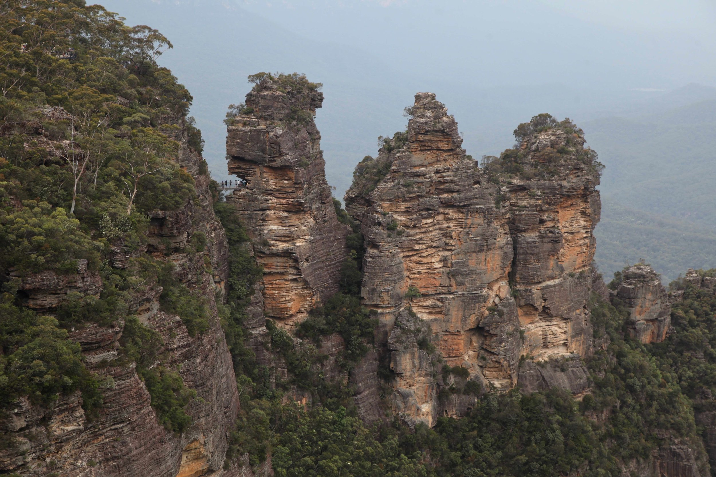 Blue Mountains icon: the Three Sisters viewed from the lookout at Echo Point in Katoomba.