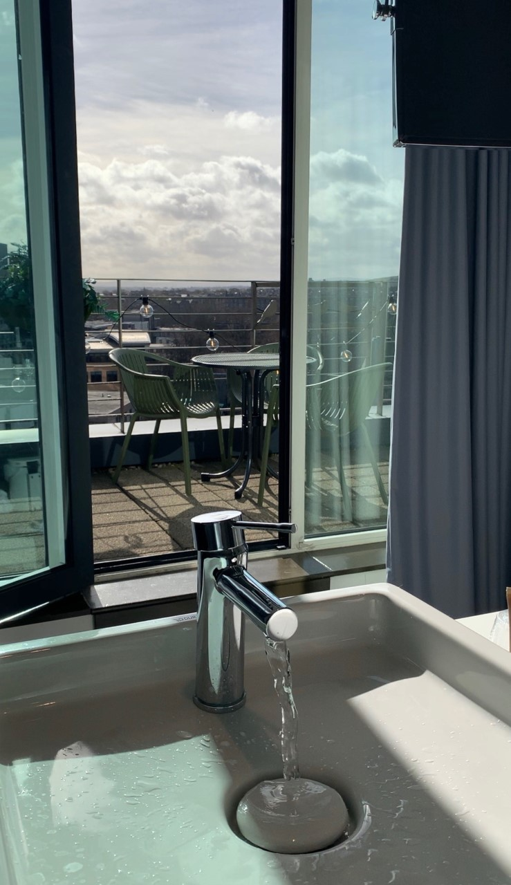 Brushing my teeth with a view, Novotel hotel Edinburgh