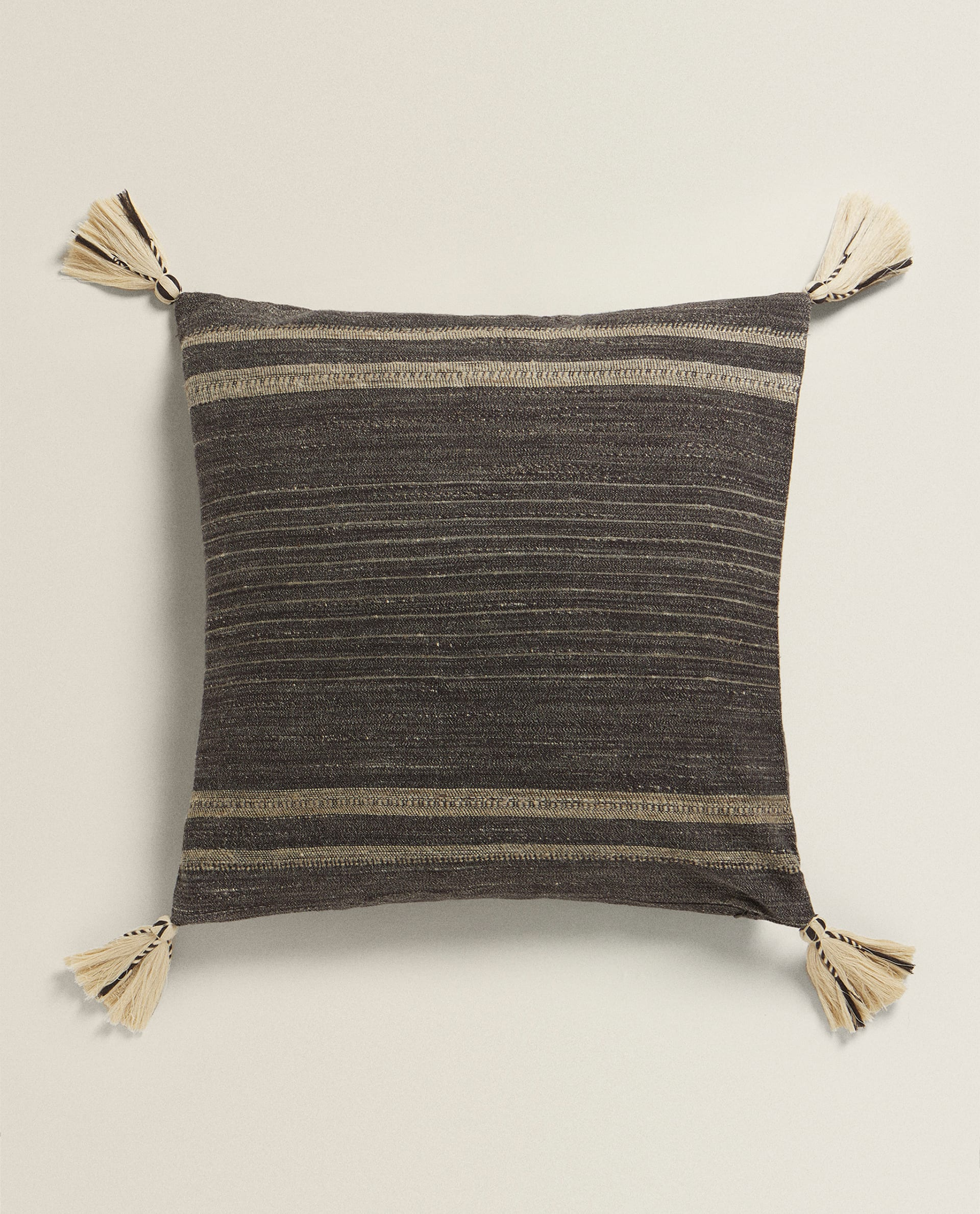 TASSELLED LINEN AND SILK CUSHION COVER