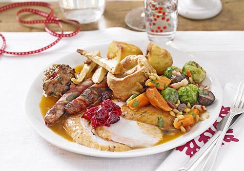 christmas-dinner_0.jpg