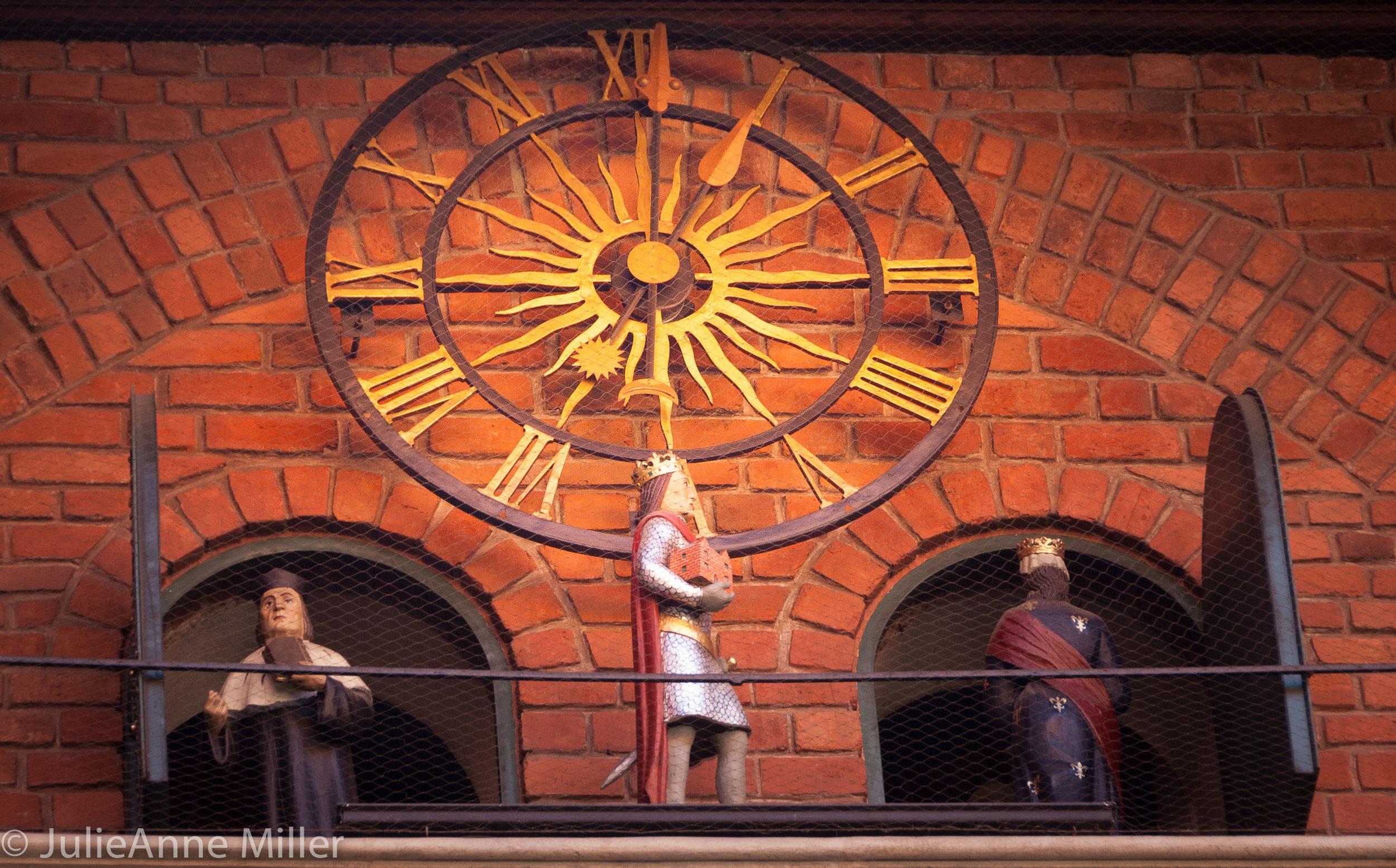 newton clock 2.jpg