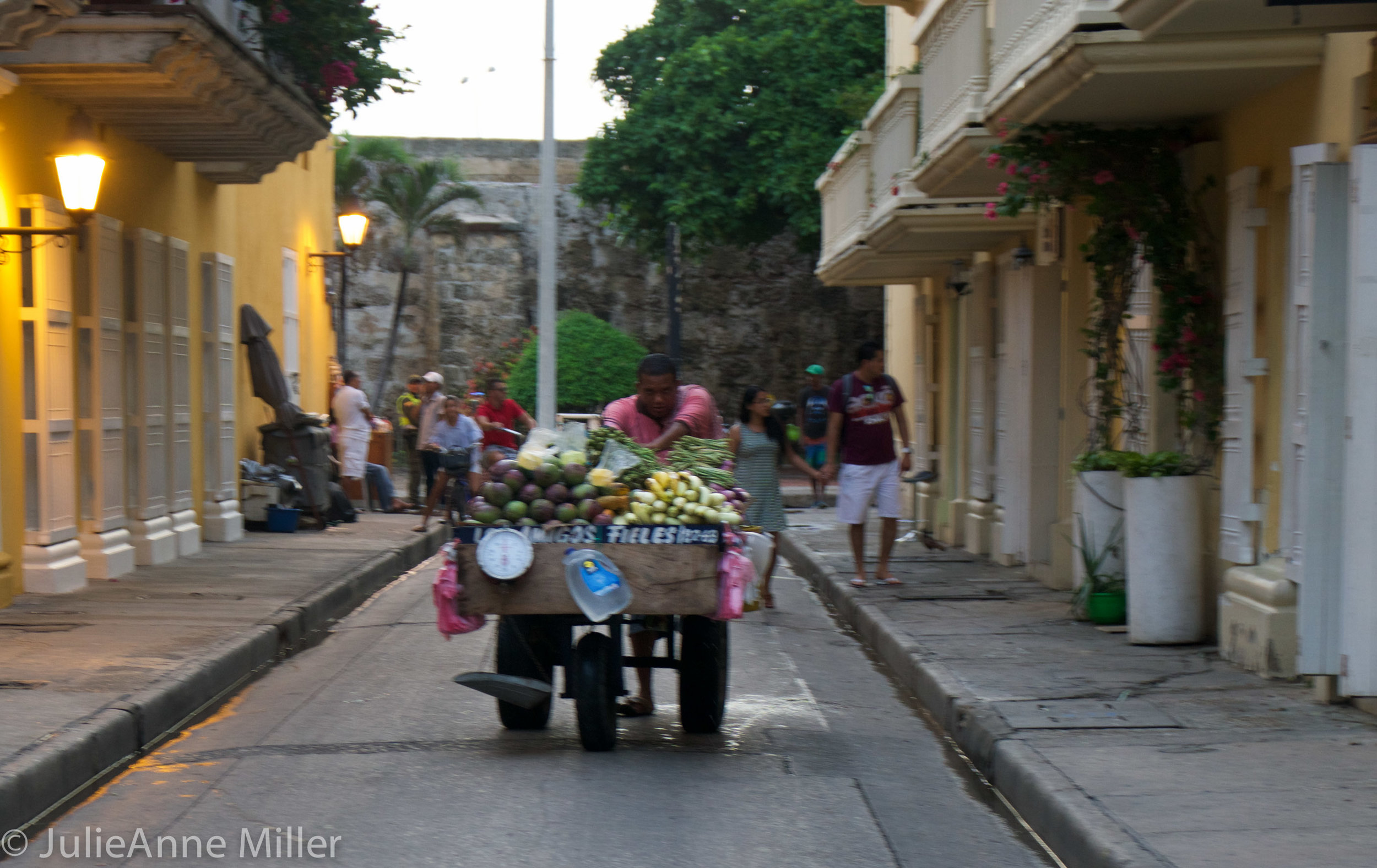 street vendor cartagena.jpg