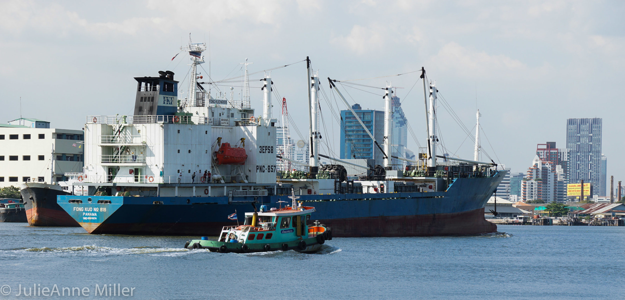 ships bangkok port.jpg