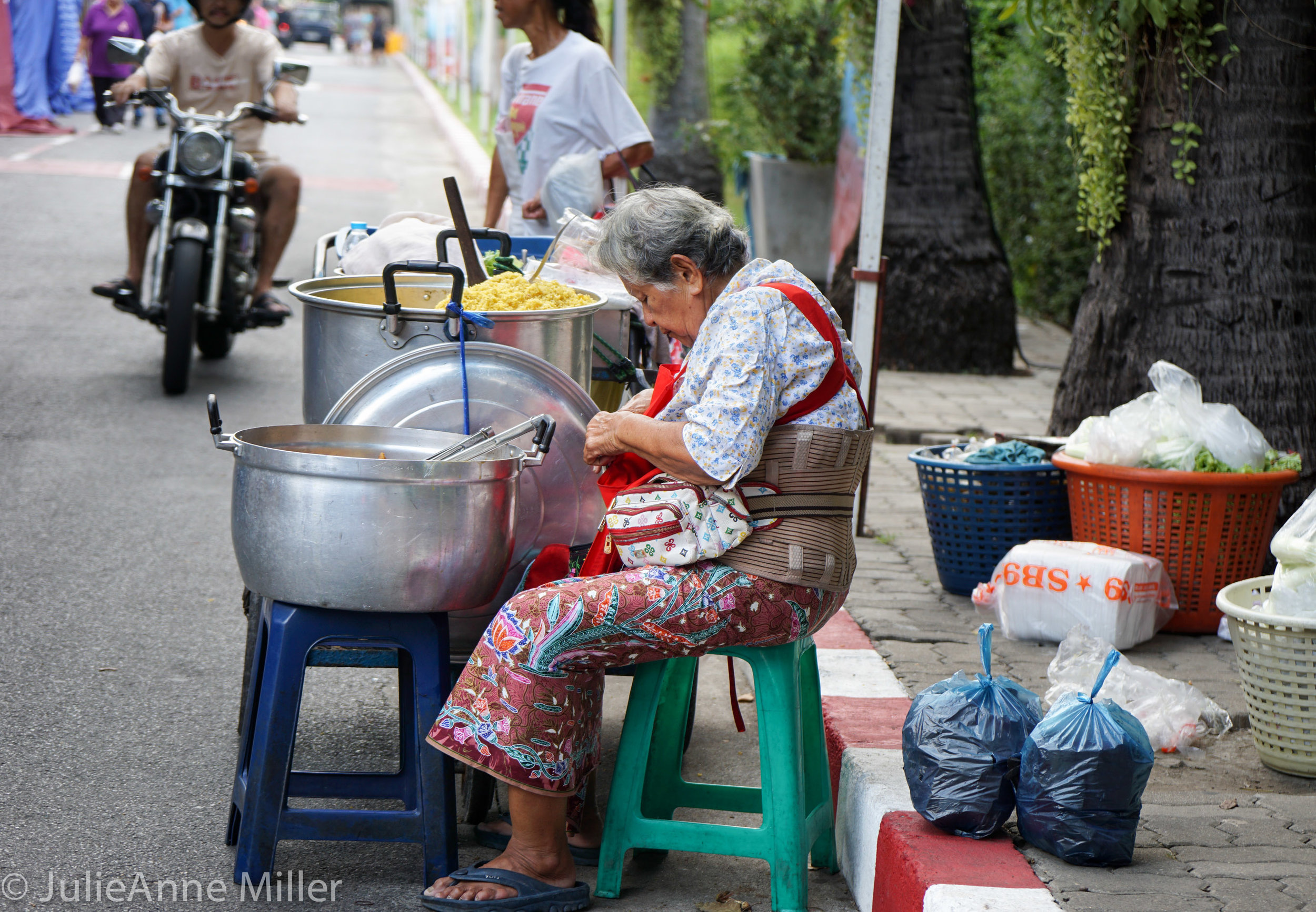 street food lady.jpg