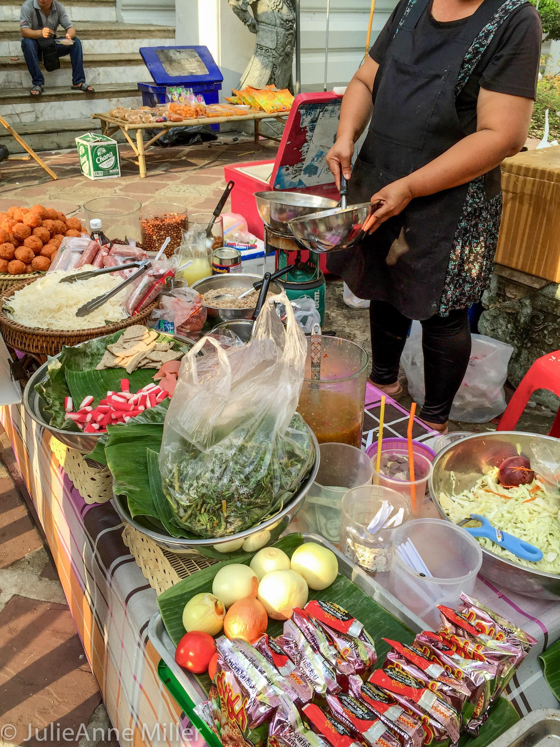 street food wat Pho.jpg