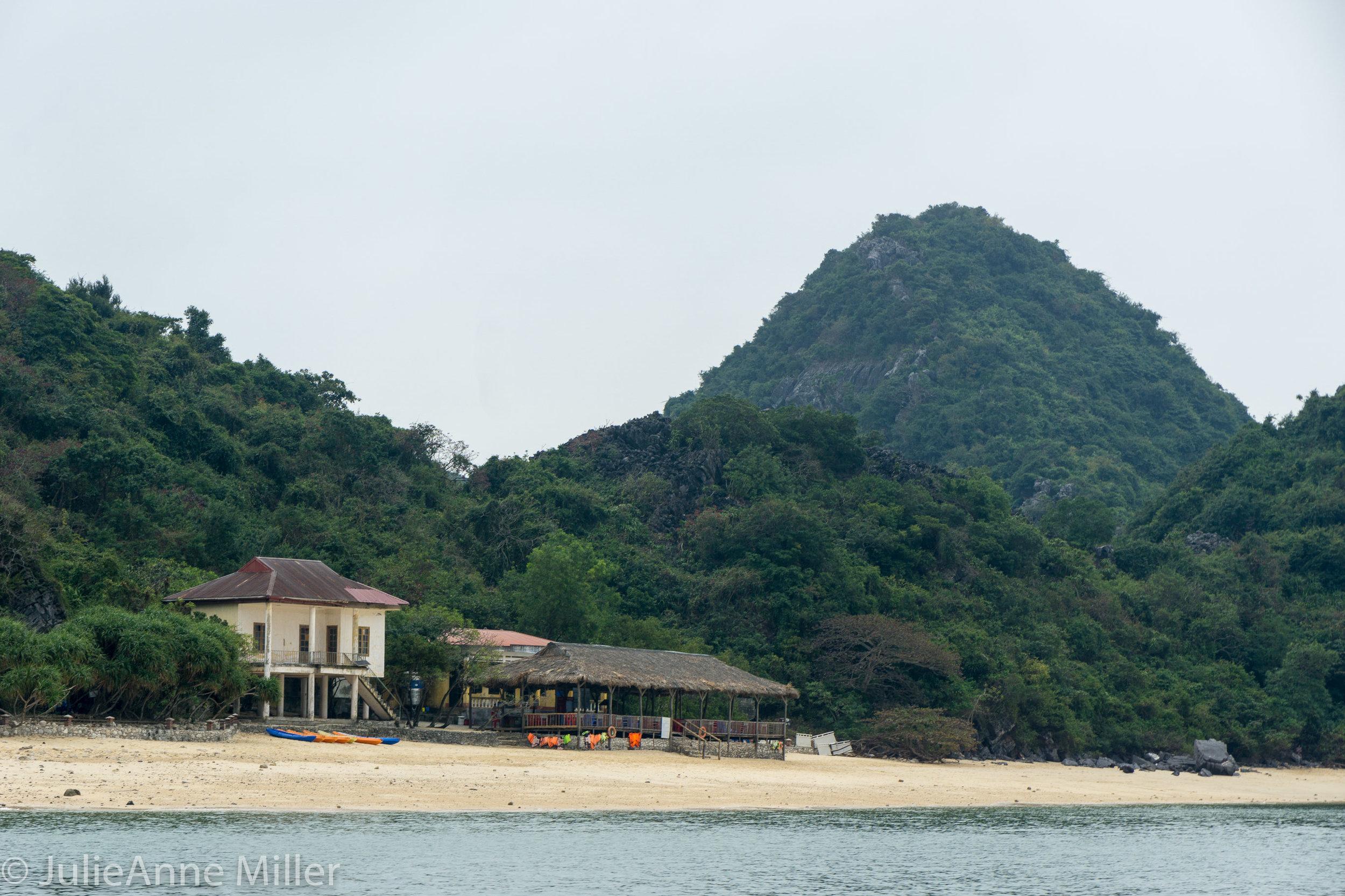 Monkey Island, Cat Ba