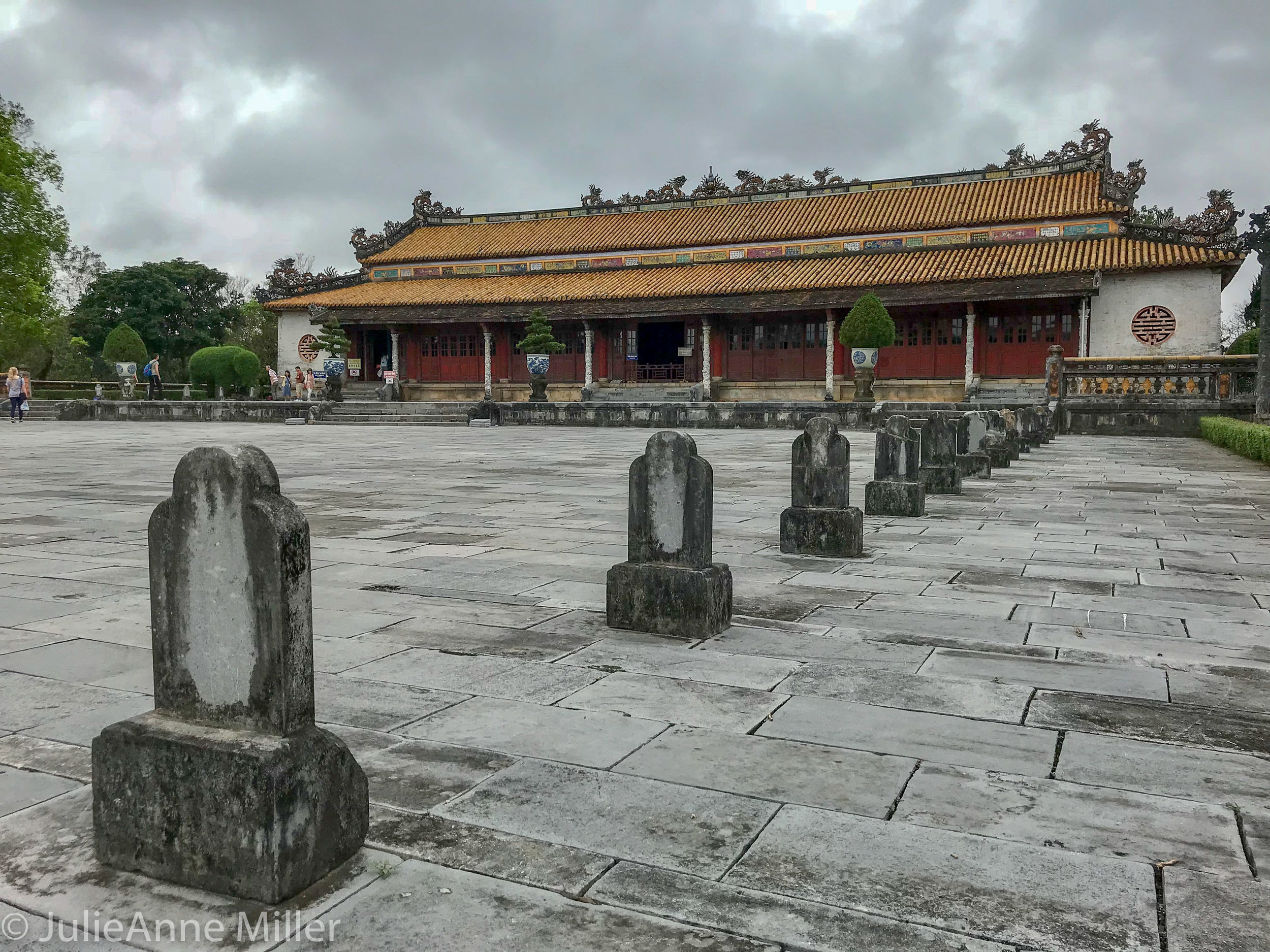 History of Hue: Travelers' Cliff Notes - Short E-Book describing Nguyen Dynasty that ruled Vietnam from 1802-1946.