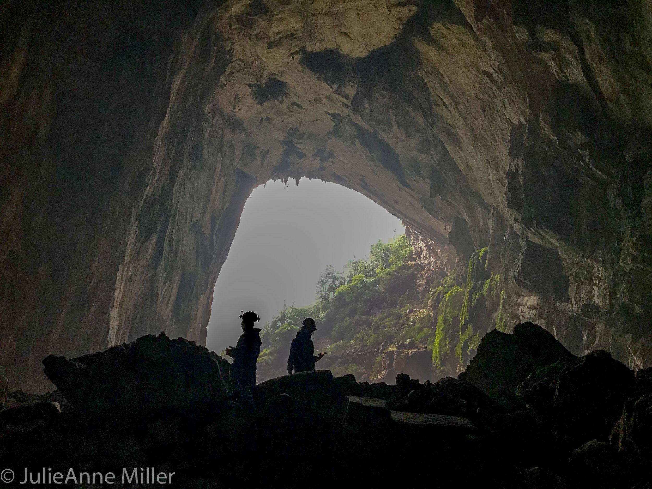 Hang En Cave