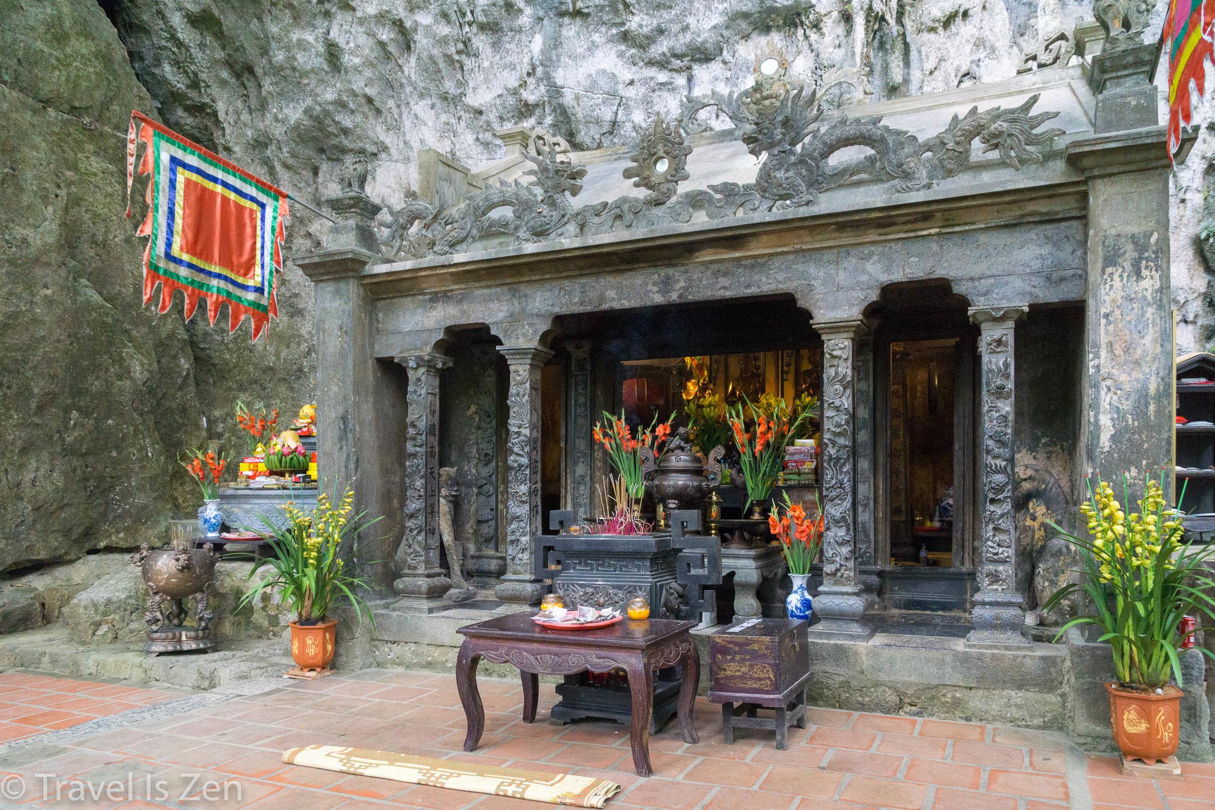 Tam Coc temple