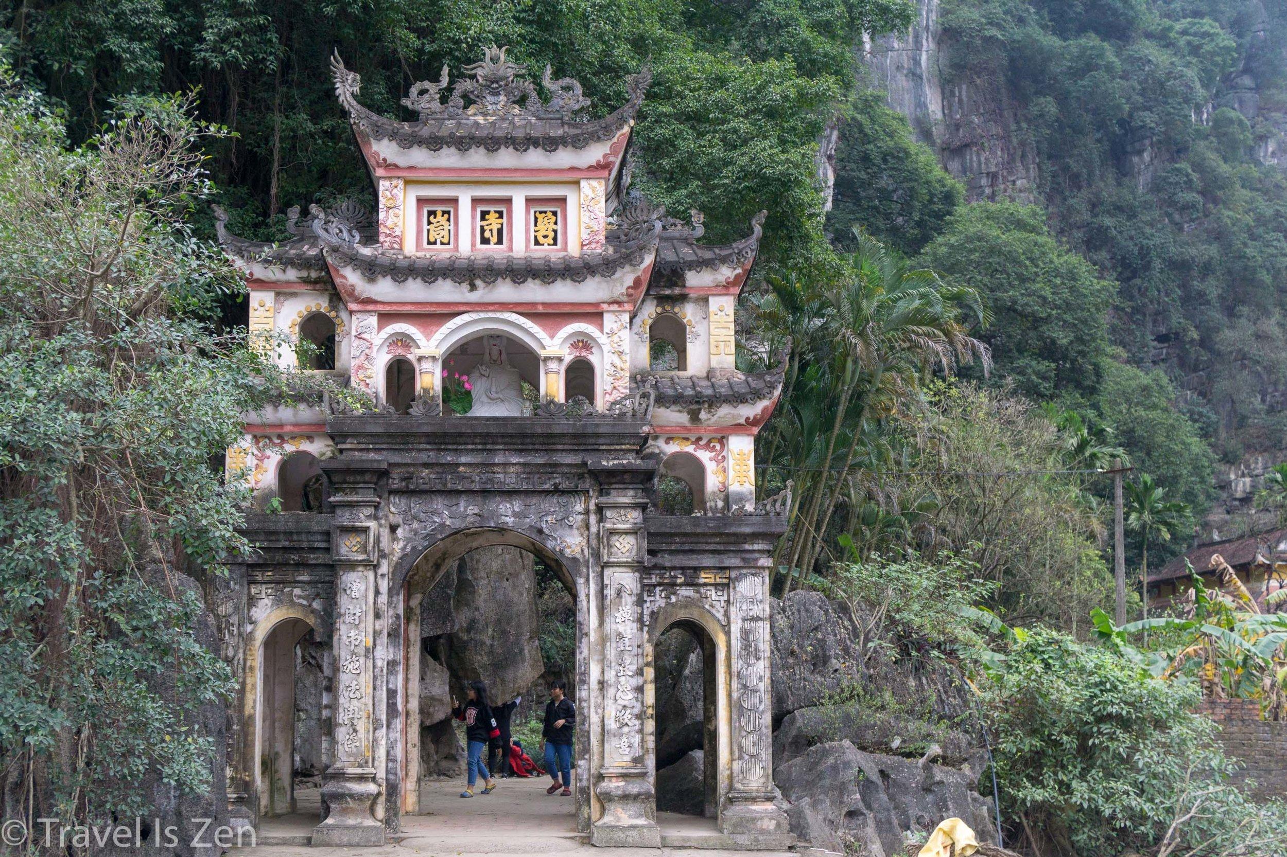 Tam Coc Ninh Binh Vietnam-45.jpg