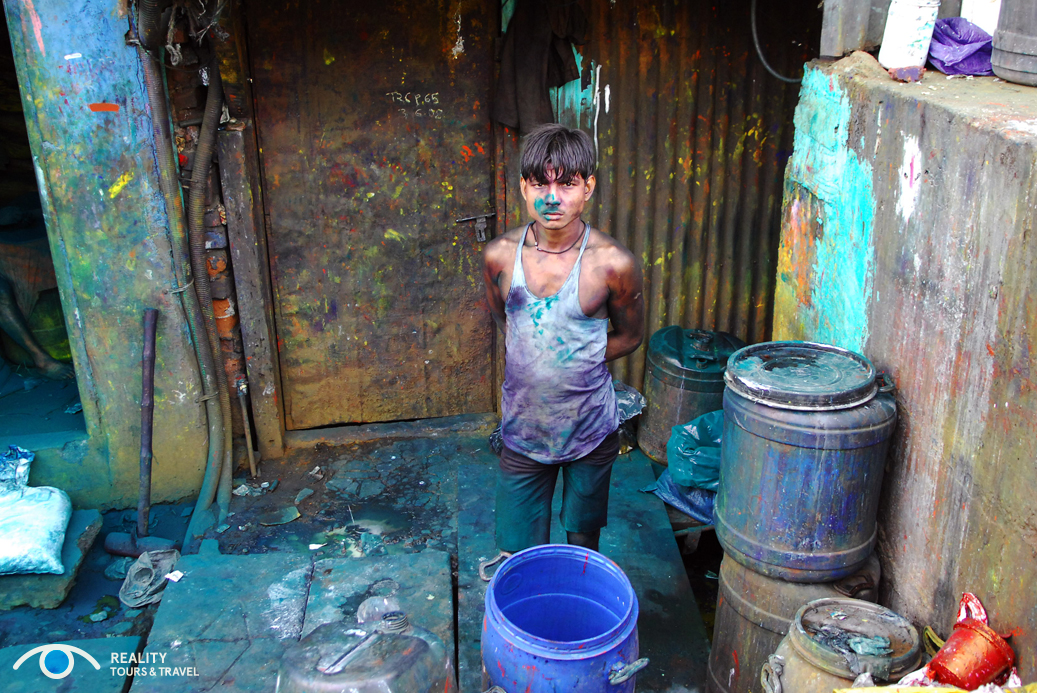 paint-barrels-recycling_31480292685_o.jpg