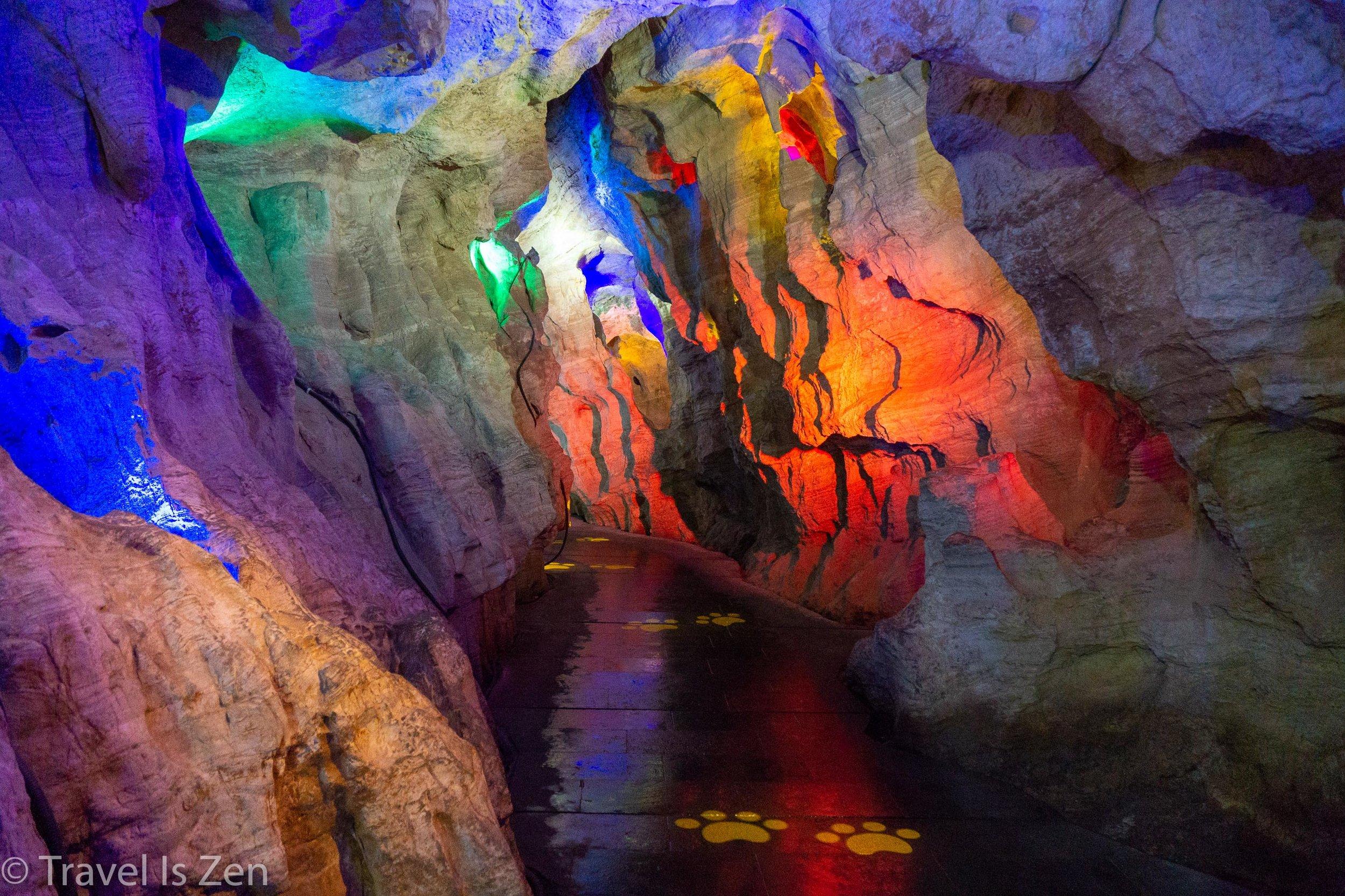Jiuxiang Cave-7.jpg