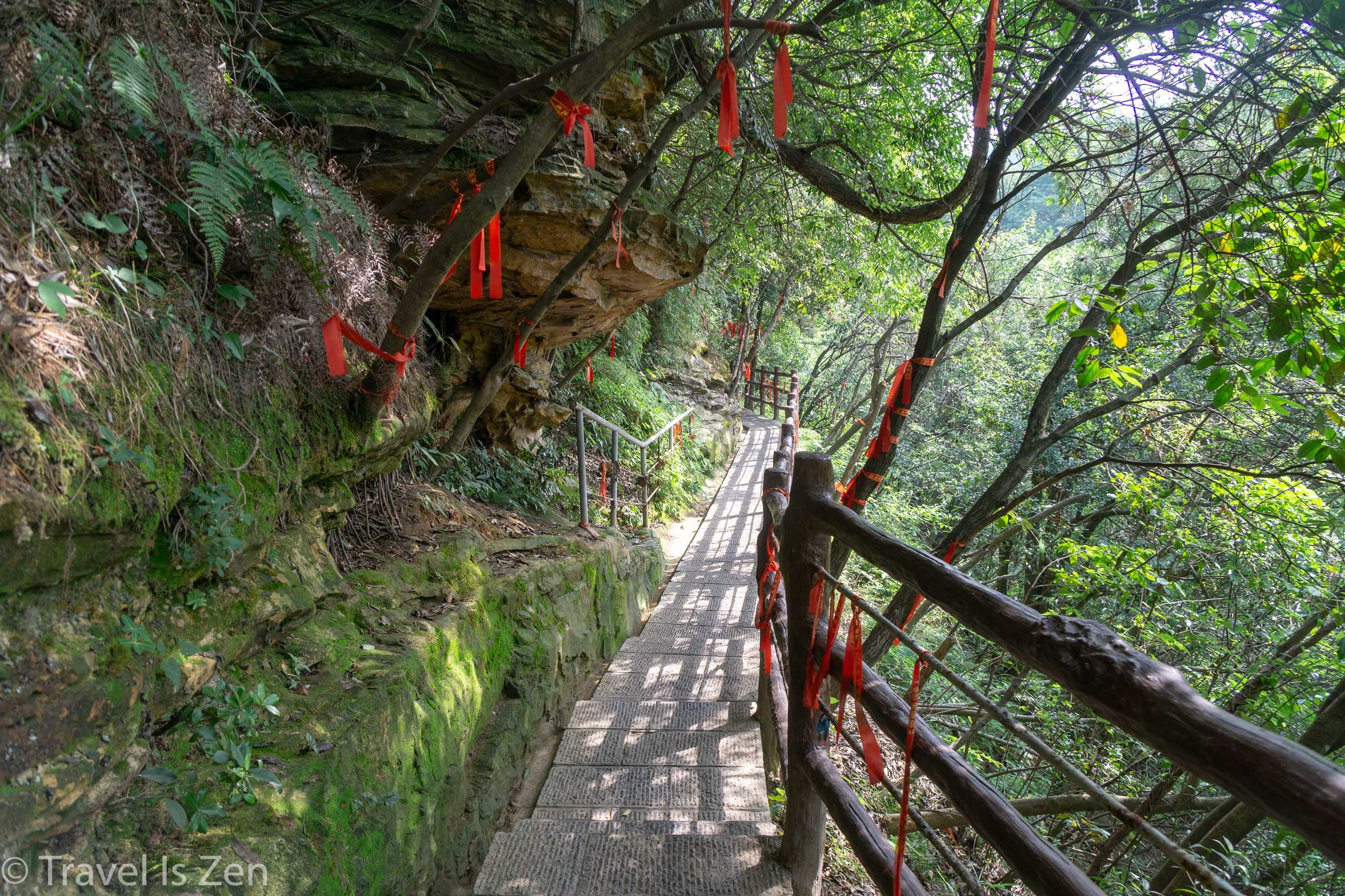 Three day hiking guide to Zhangjiajie - Tips to avoid the crowds and get the best photos