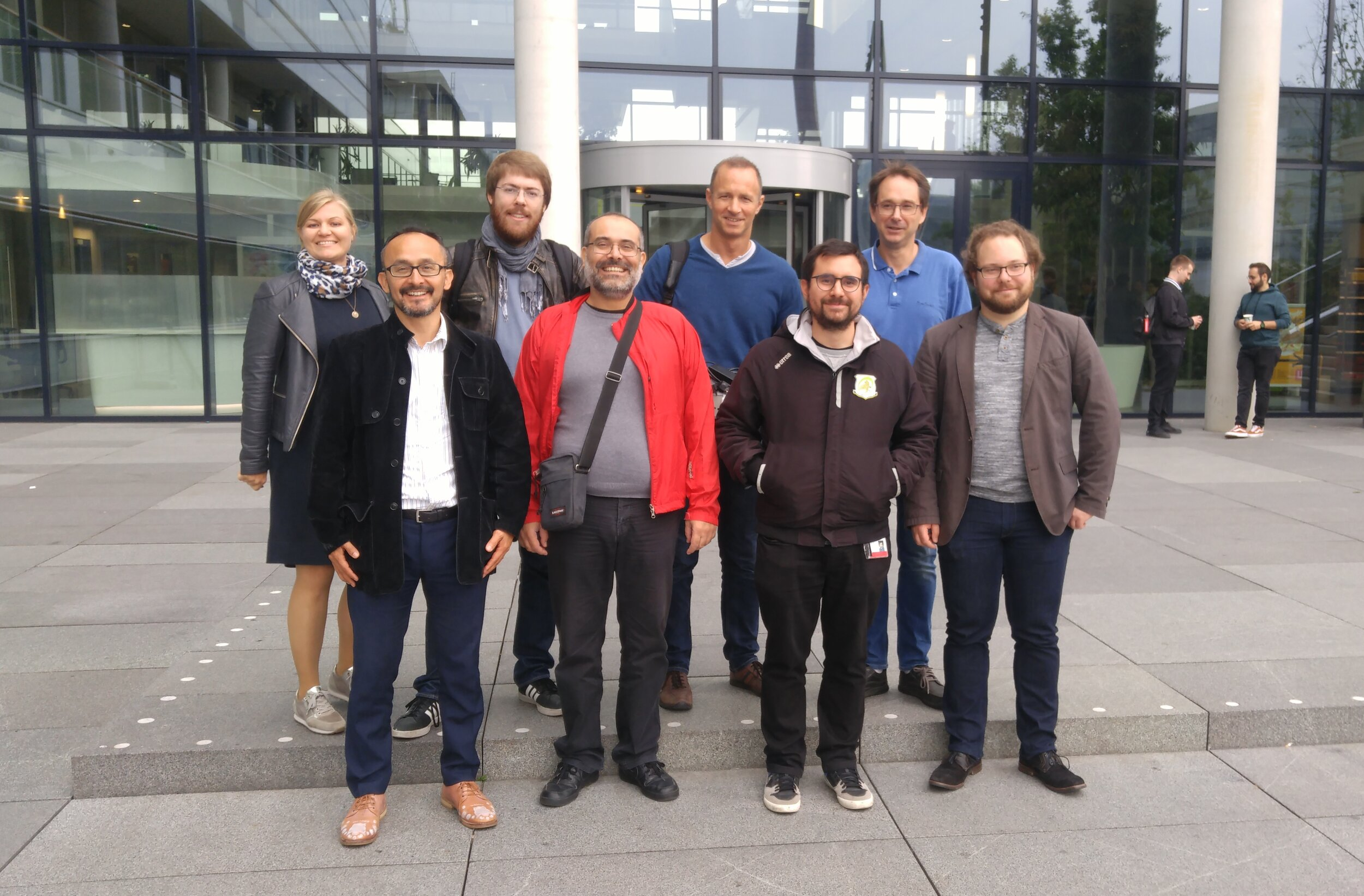 The team preparing the blueSPACE demo in September 2019 in front of TU/e building Flux.