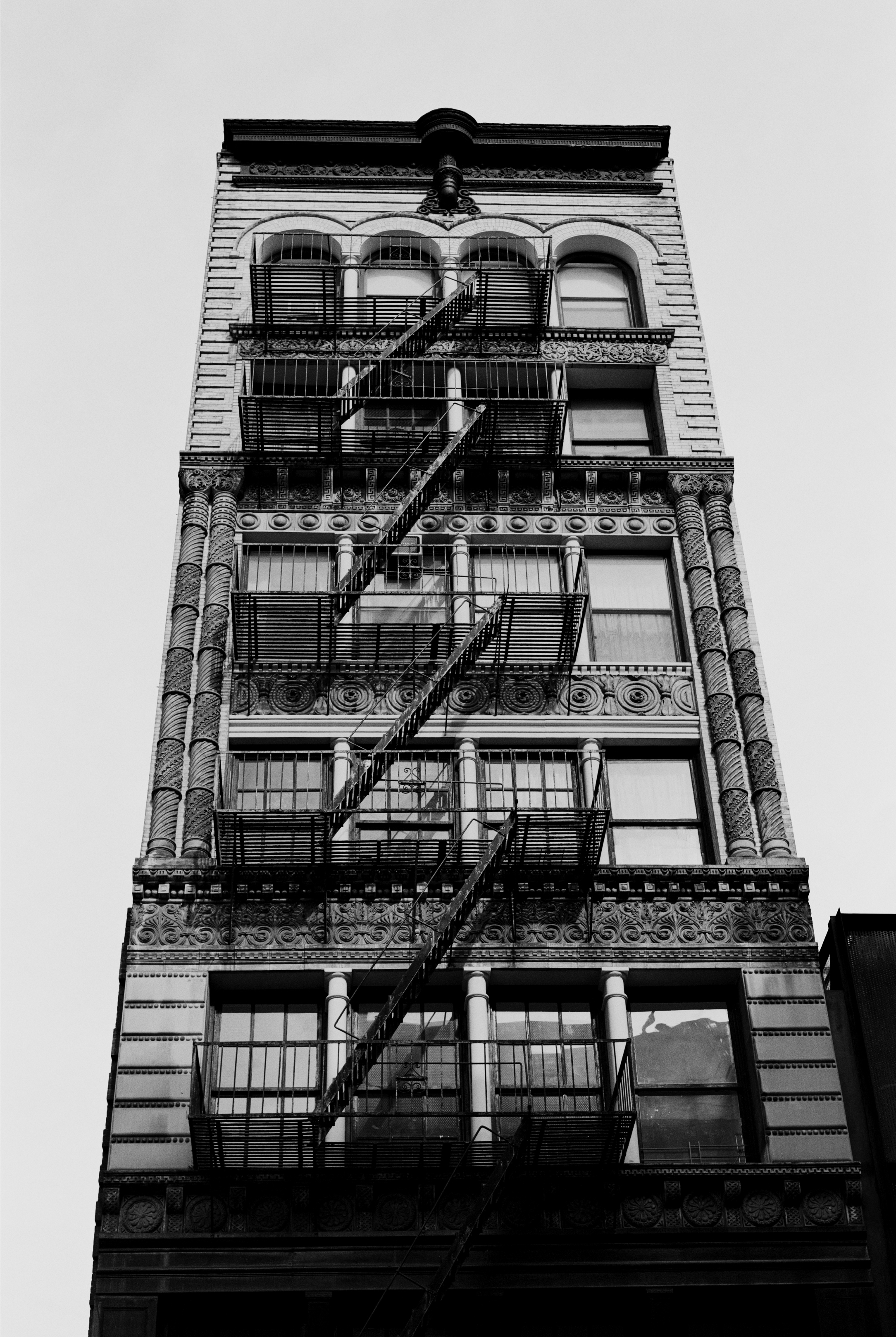 """""""When I'm on the street I never use zoom lenses and only ever use 35mm black and white film, not digital..."""" A NEW YORK STATE OF MIND Photography Robin Broadbent"""