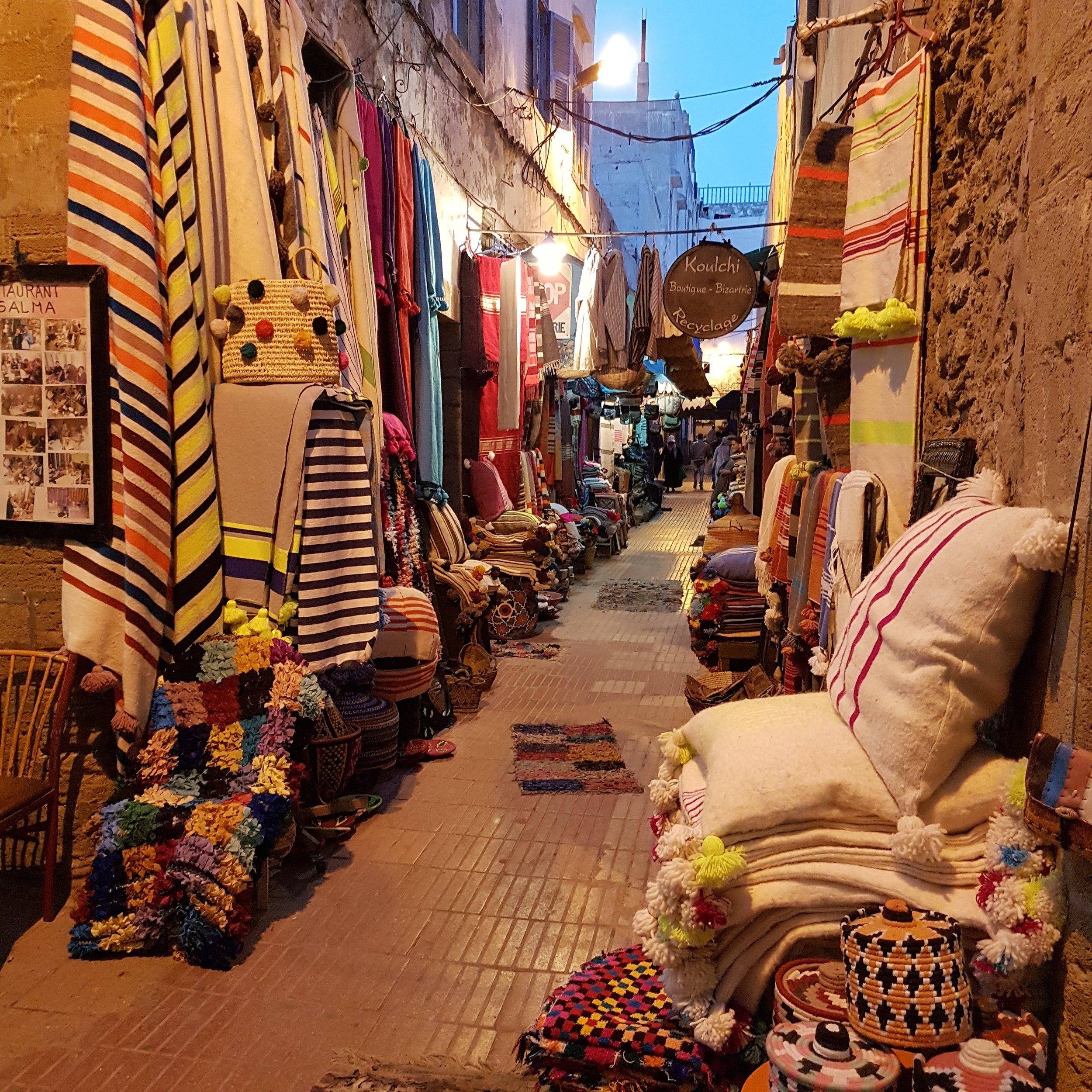 AnnaCoxCushions_Production_Marocco_1.jpg