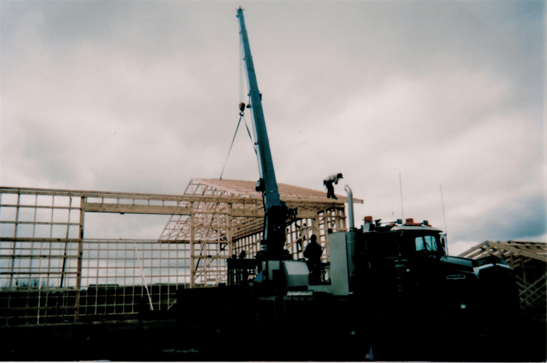 2003 - sETTING rAFTERS with 30 ton
