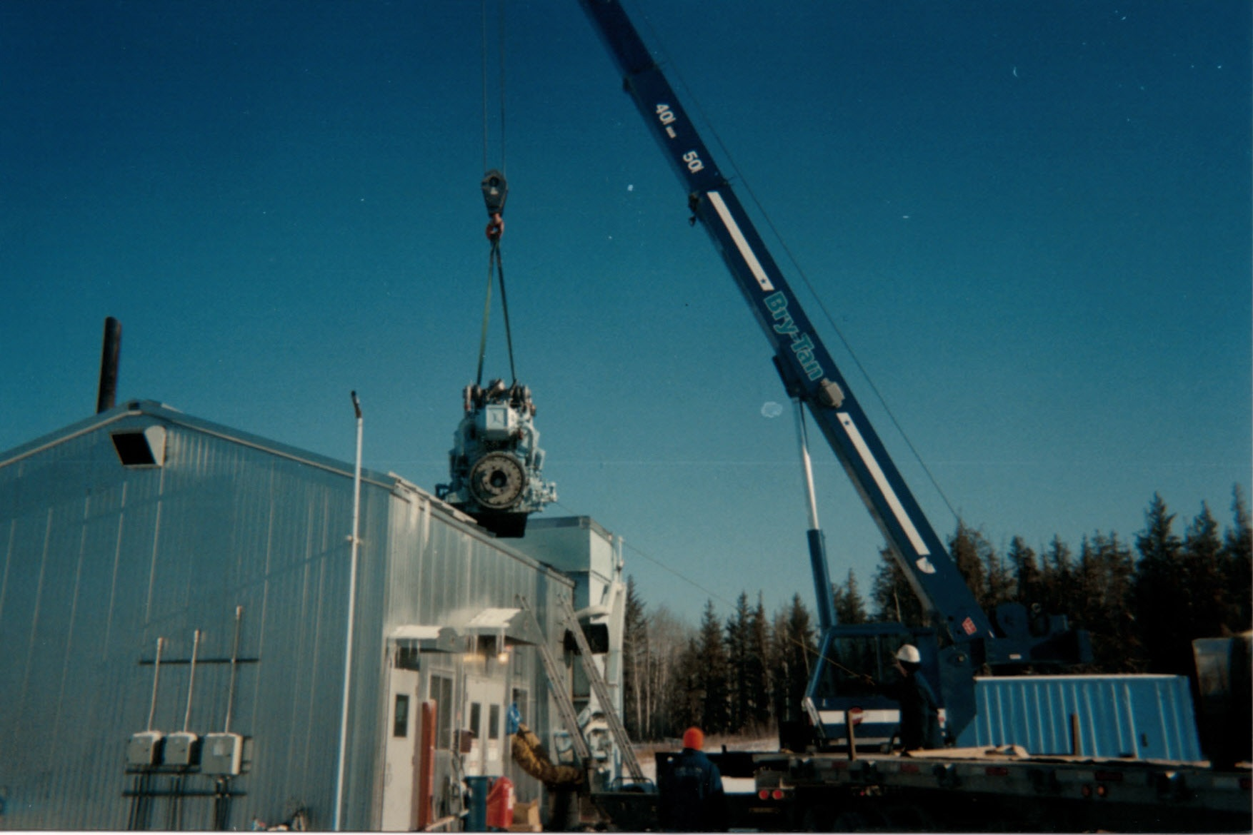 2006 - 42 ton - taking compressor engine out of building