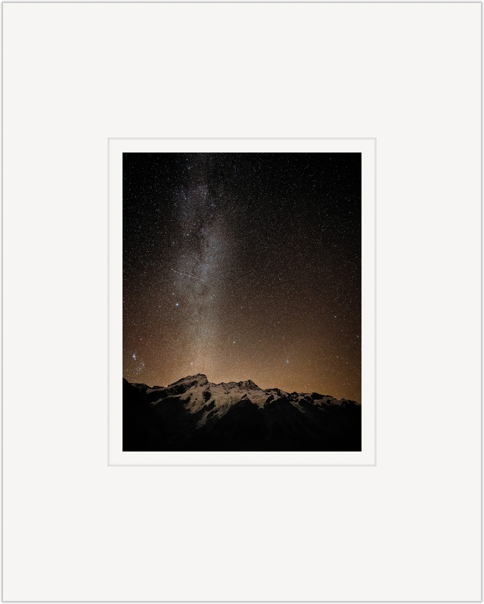 Droplets Upon Mt. Sefton   20cm x 25cm Photo Paper Limited Edition of 99   IDR 799,000