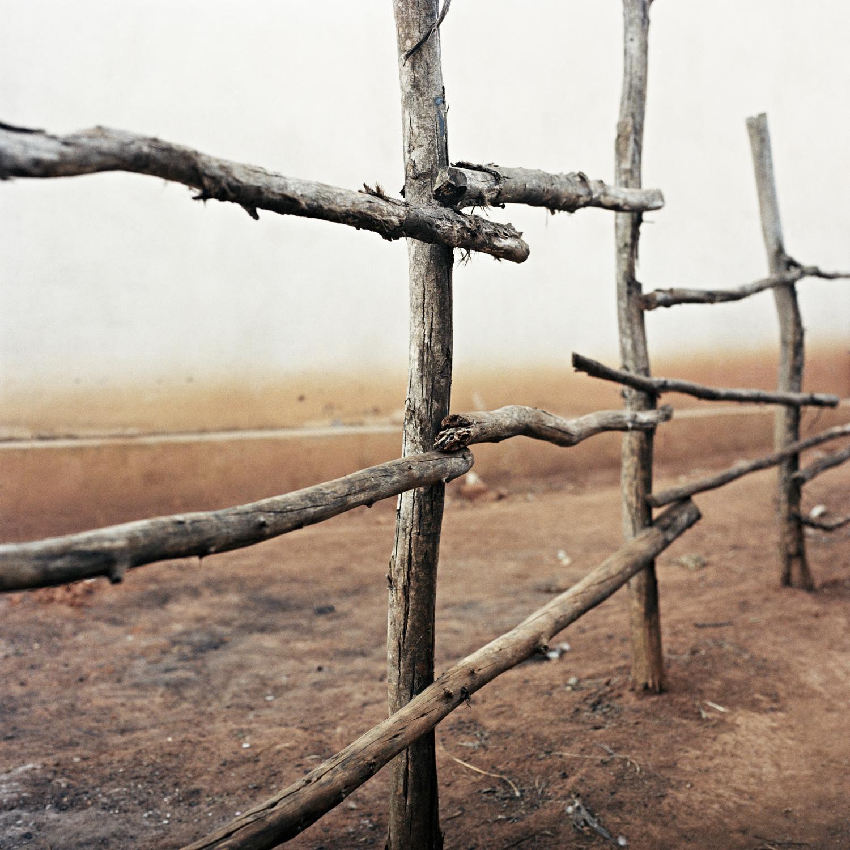4.fragile_fence.jpg